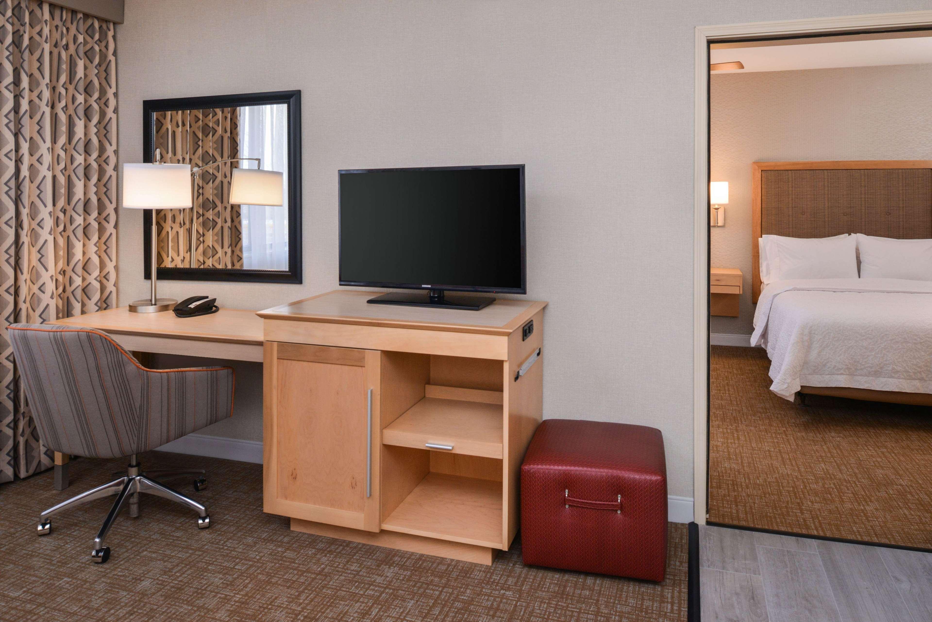 Hampton Inn & Suites Denver-Speer Boulevard image 41