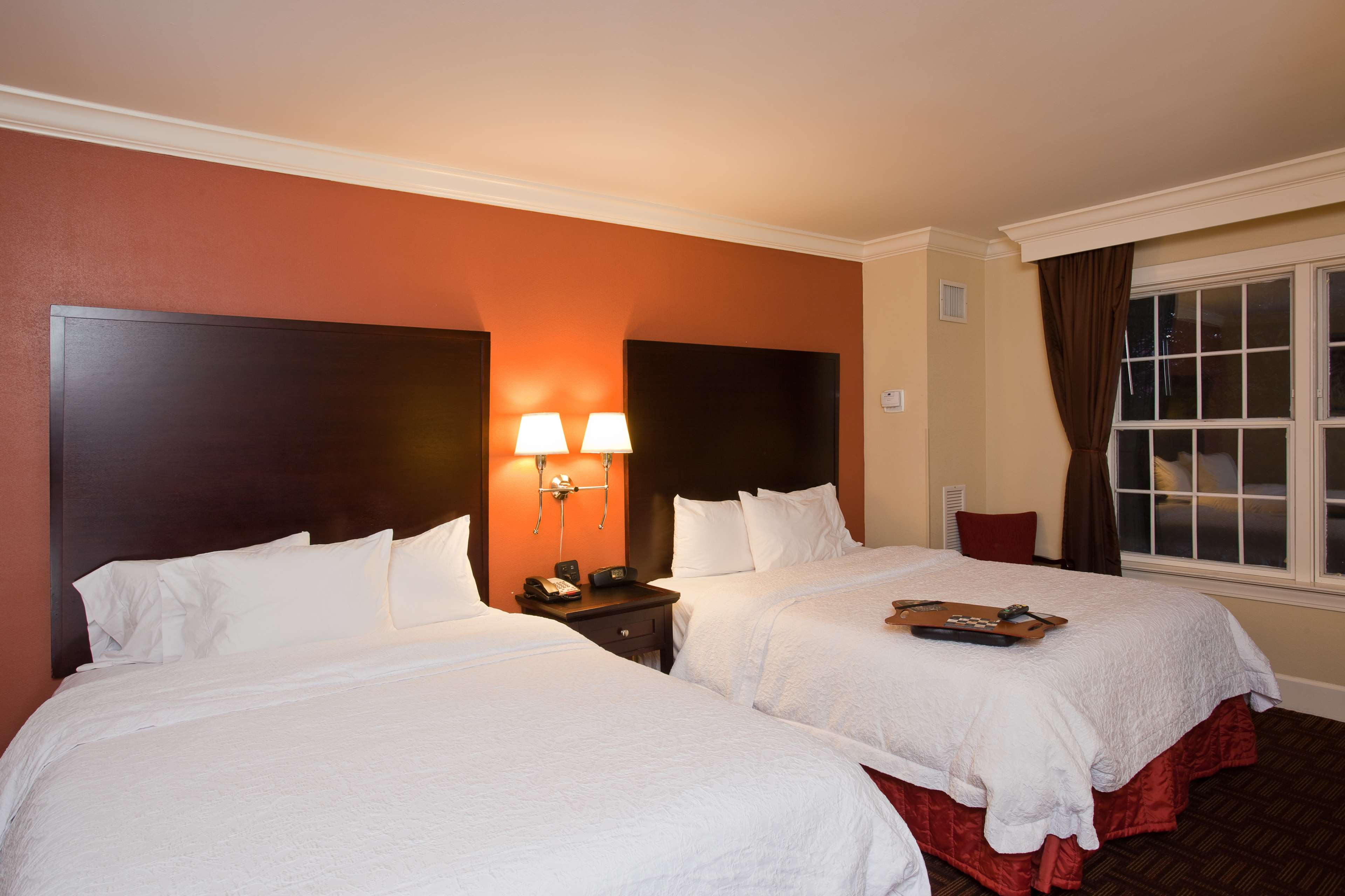 Hampton Inn & Suites Stamford image 35