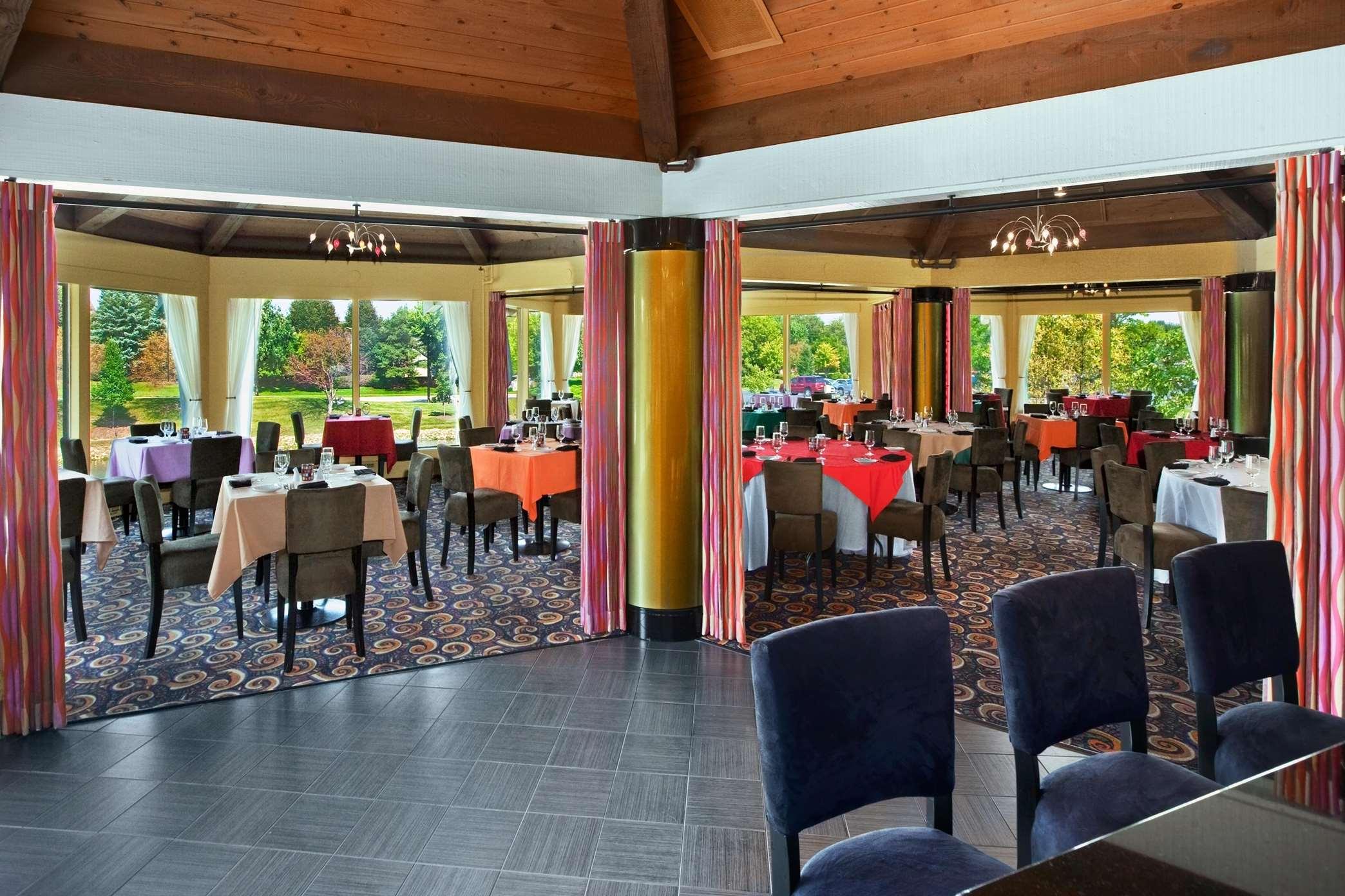 Hilton Chicago Indian Lakes image 18