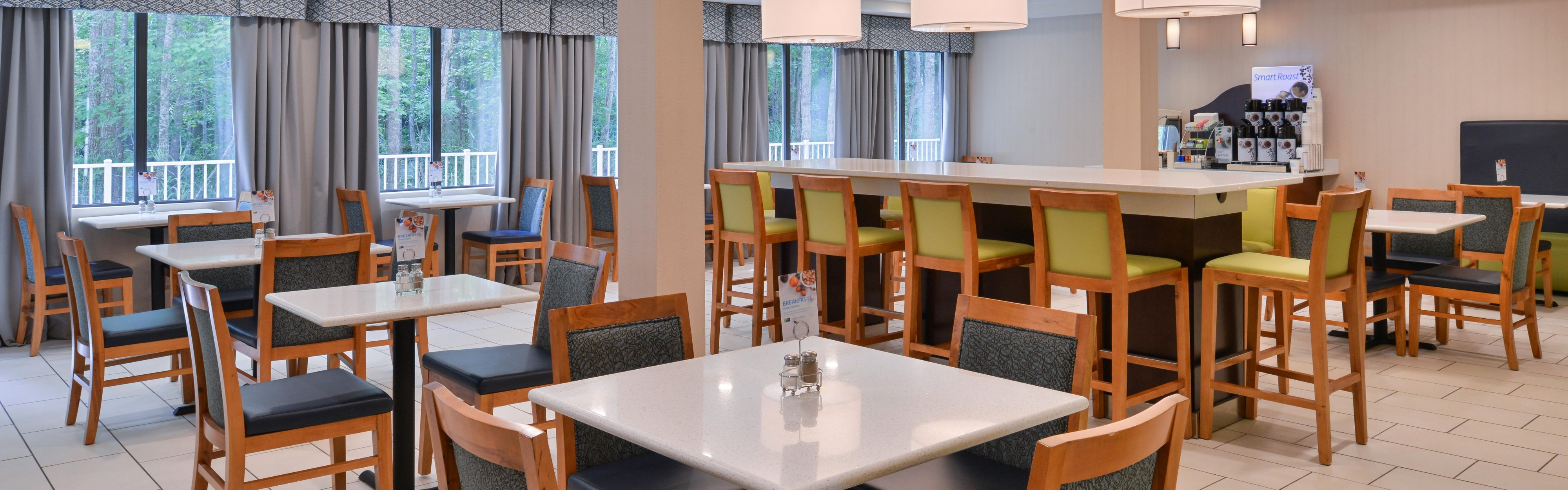 Holiday Inn Express & Suites West Ocean City image 3