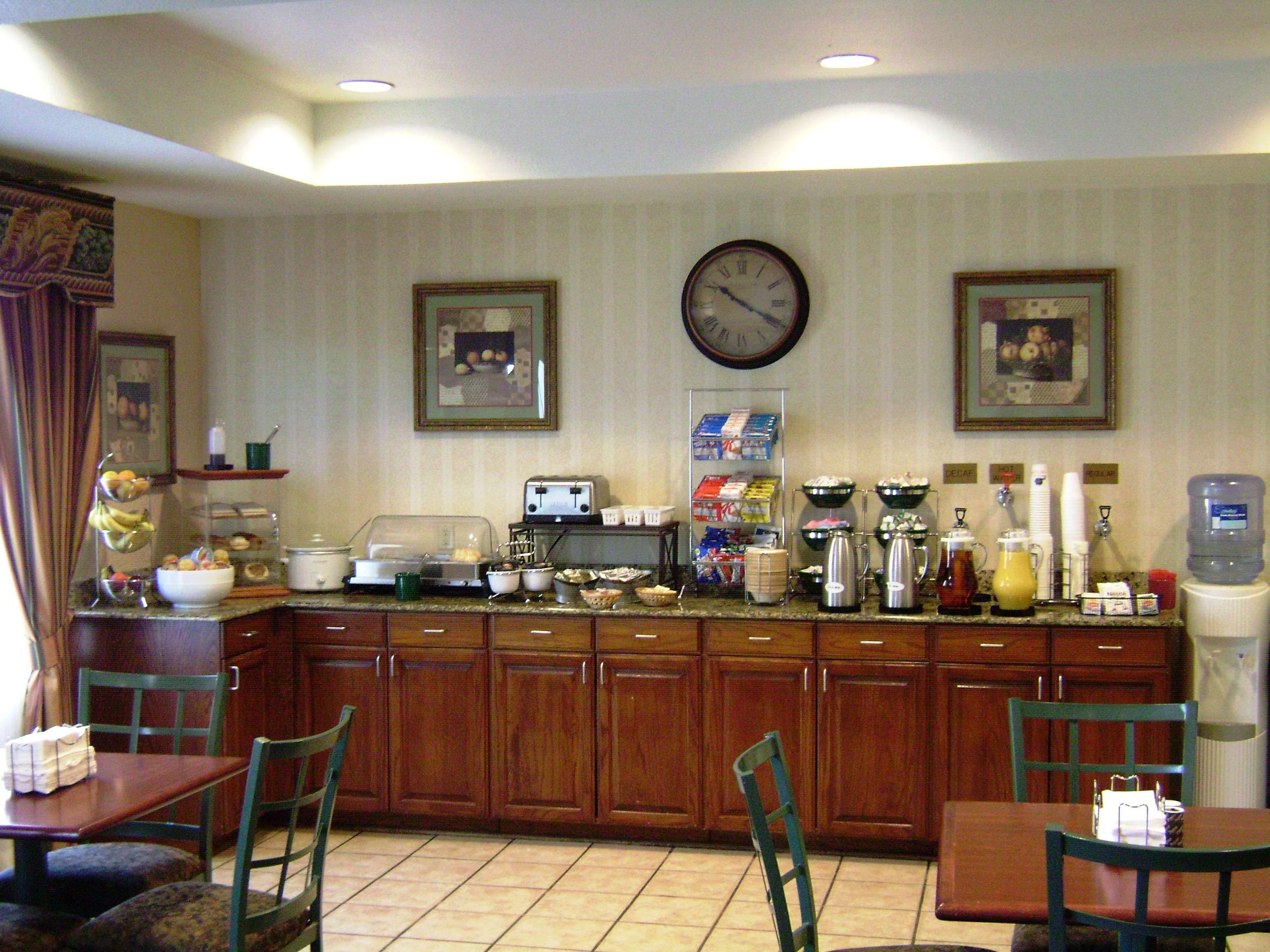 Best Western Plus Executive Hotel & Suites image 6
