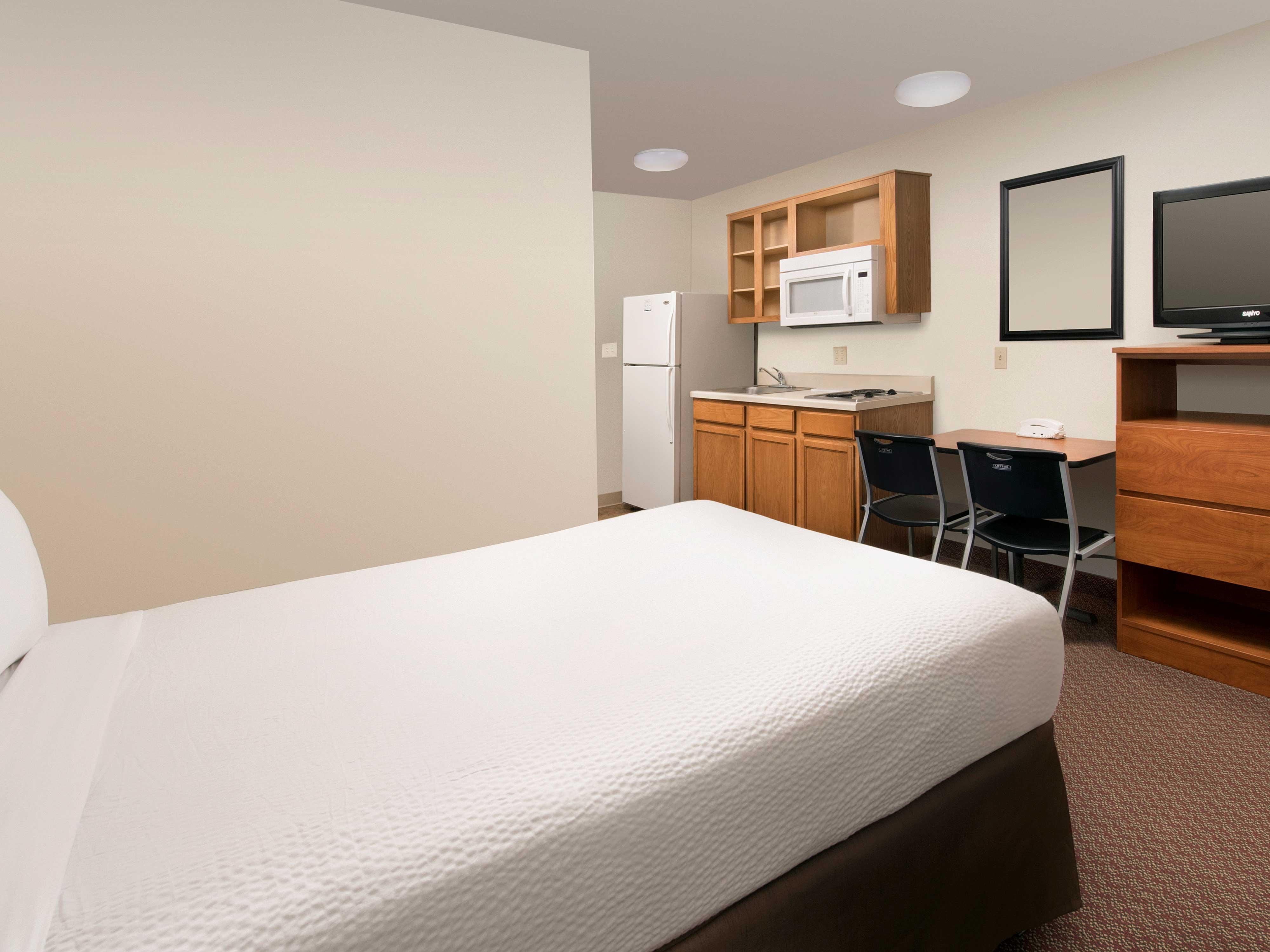 WoodSpring Suites Omaha Bellevue image 13