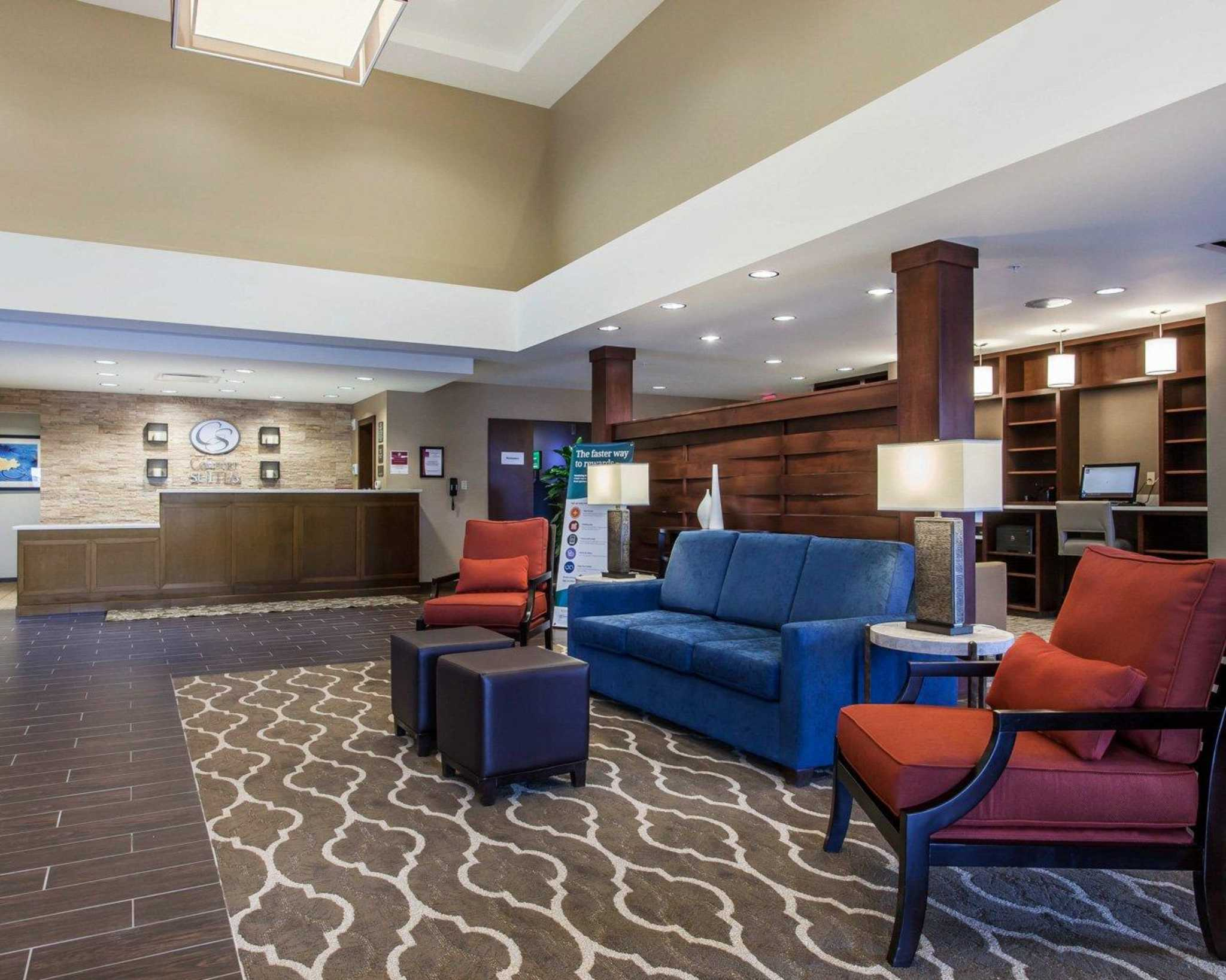 Comfort Suites Youngstown North image 15