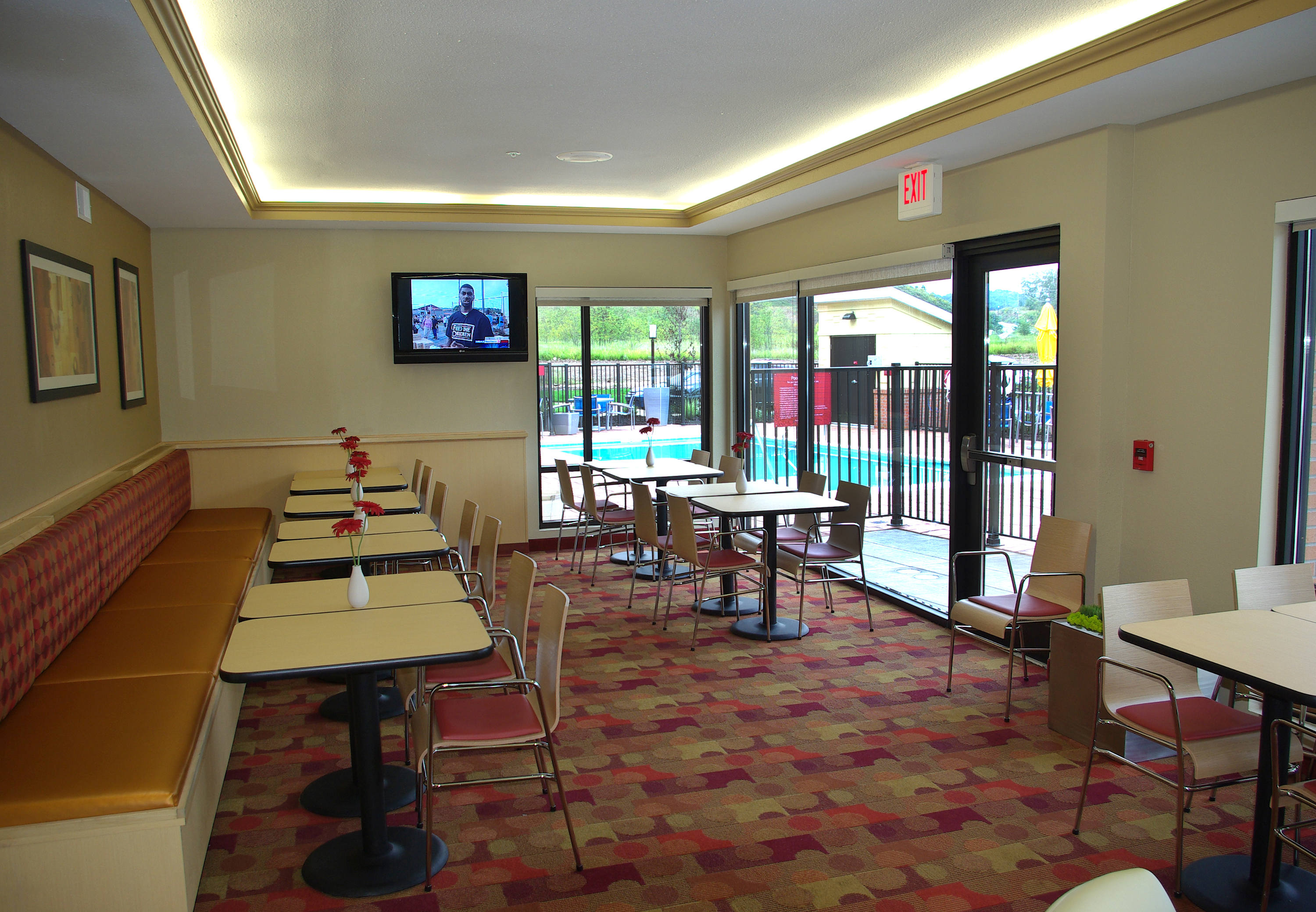 TownePlace Suites by Marriott Huntington image 14