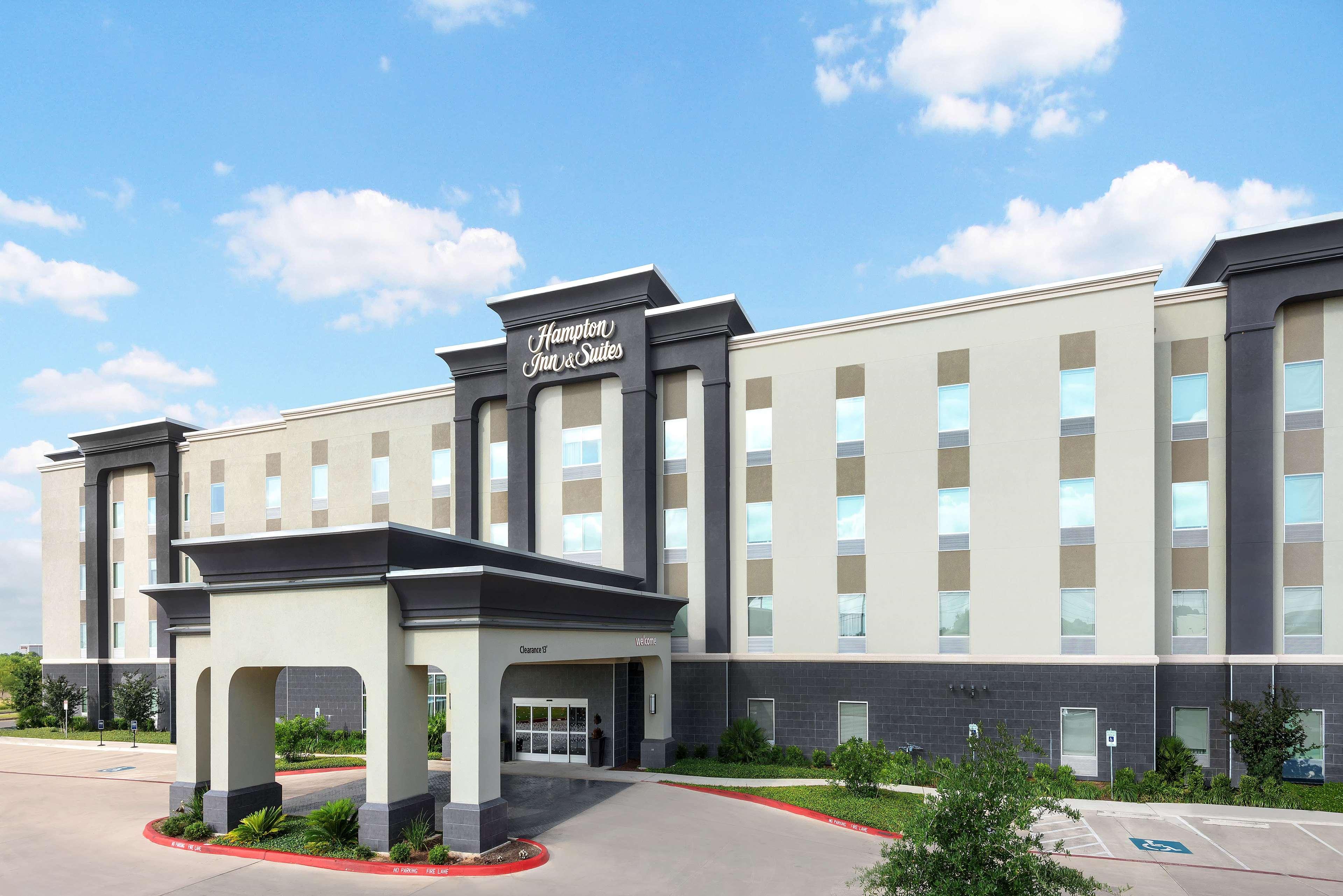 Hampton Inn & Suites San Antonio Brooks City Base