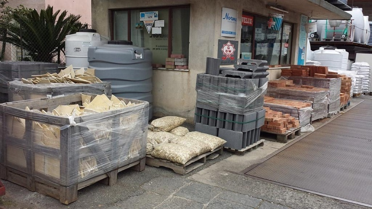 Materiali edili atorrisi materiali di costruzione in for Torrisi arredi giardino catania