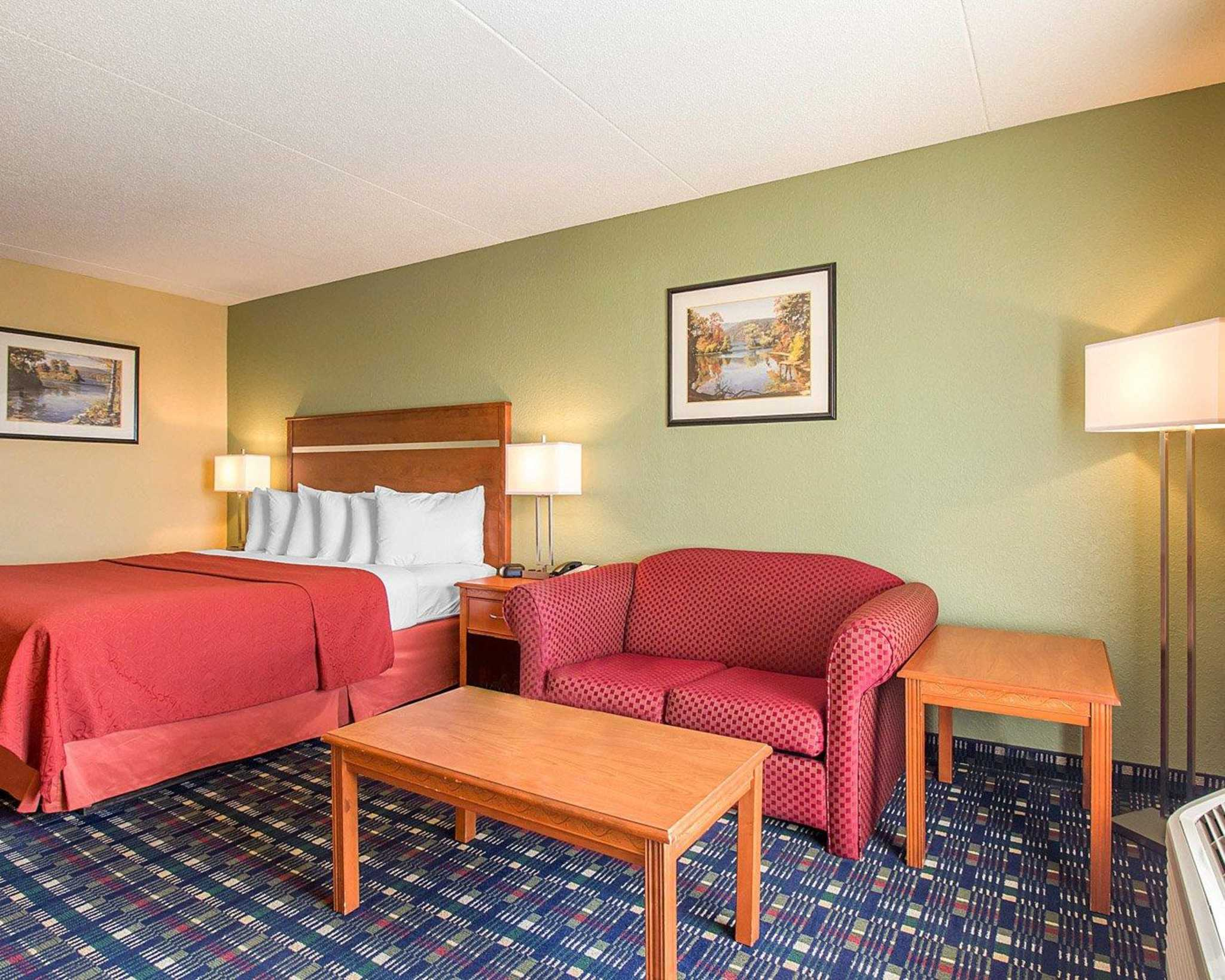 Quality Inn image 3