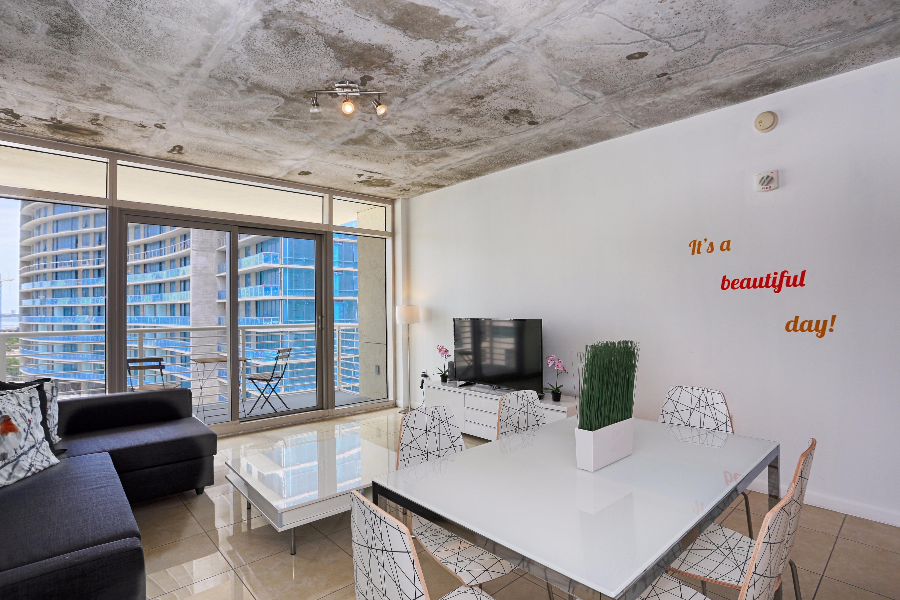 Nuovo Properties / Miami Vacation & Corporate Rentals image 1