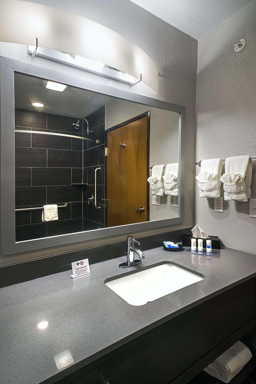 Best Western Plus Lampasas Inn & Suites image 12