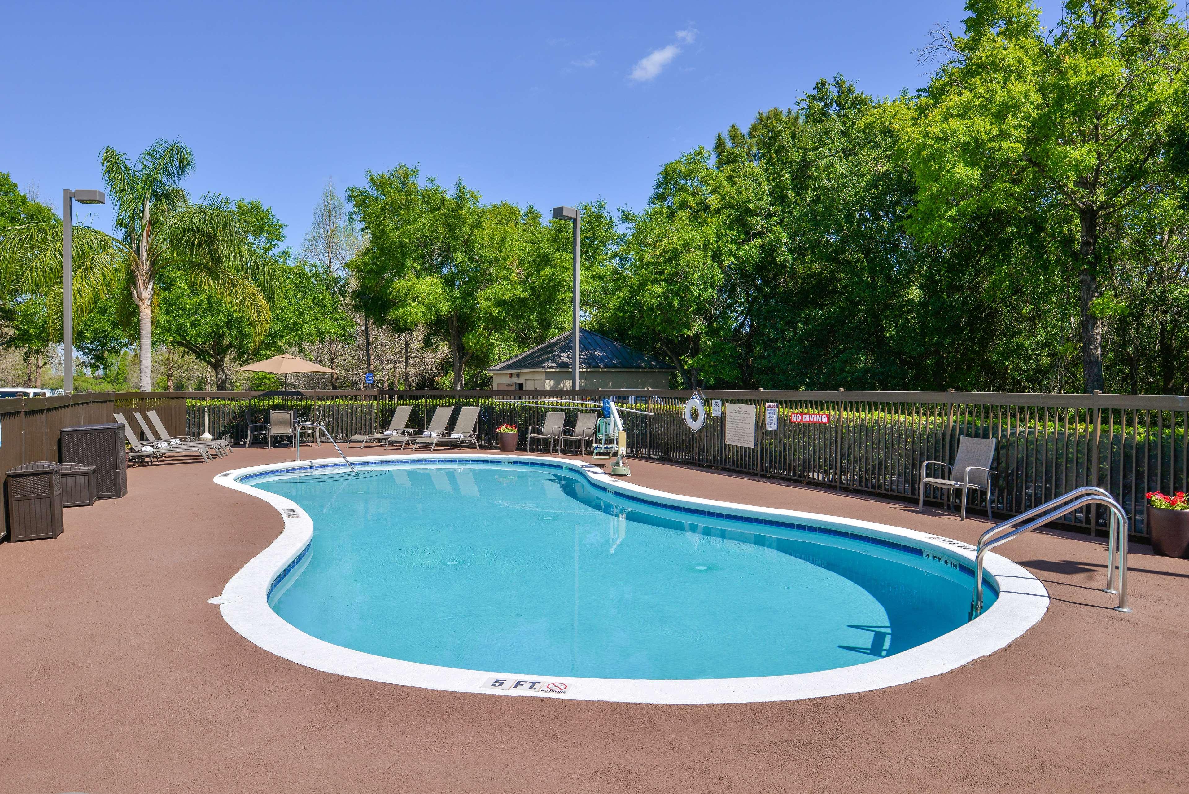 Hampton Inn closest to Universal Orlando image 8