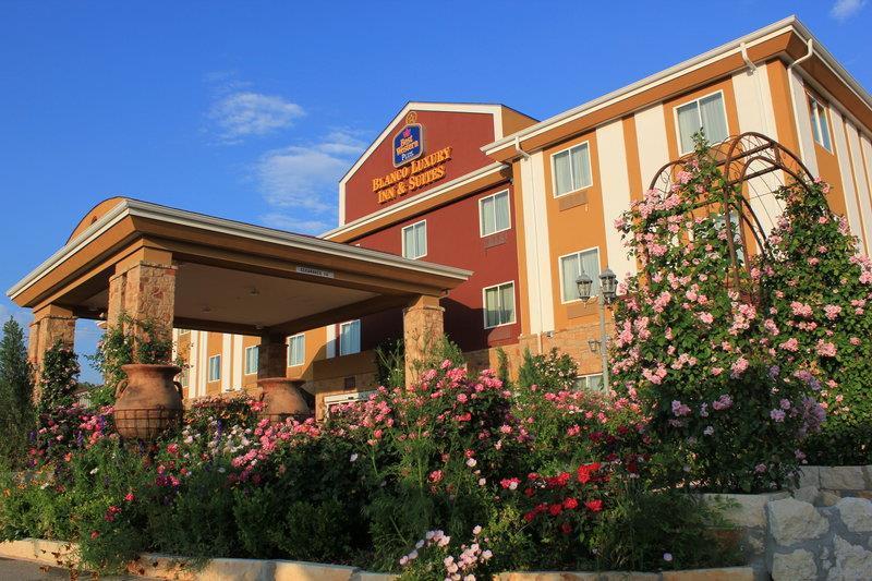 Best Western Plus Blanco Luxury Inn & Suites image 12