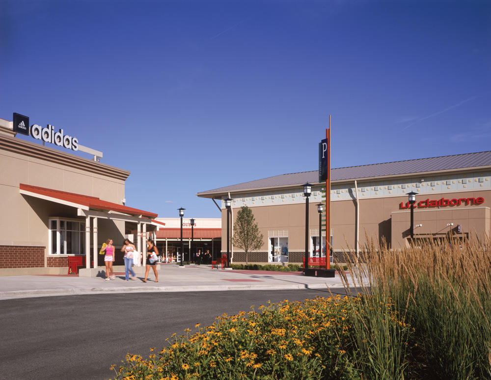 Chicago Premium Outlets image 9