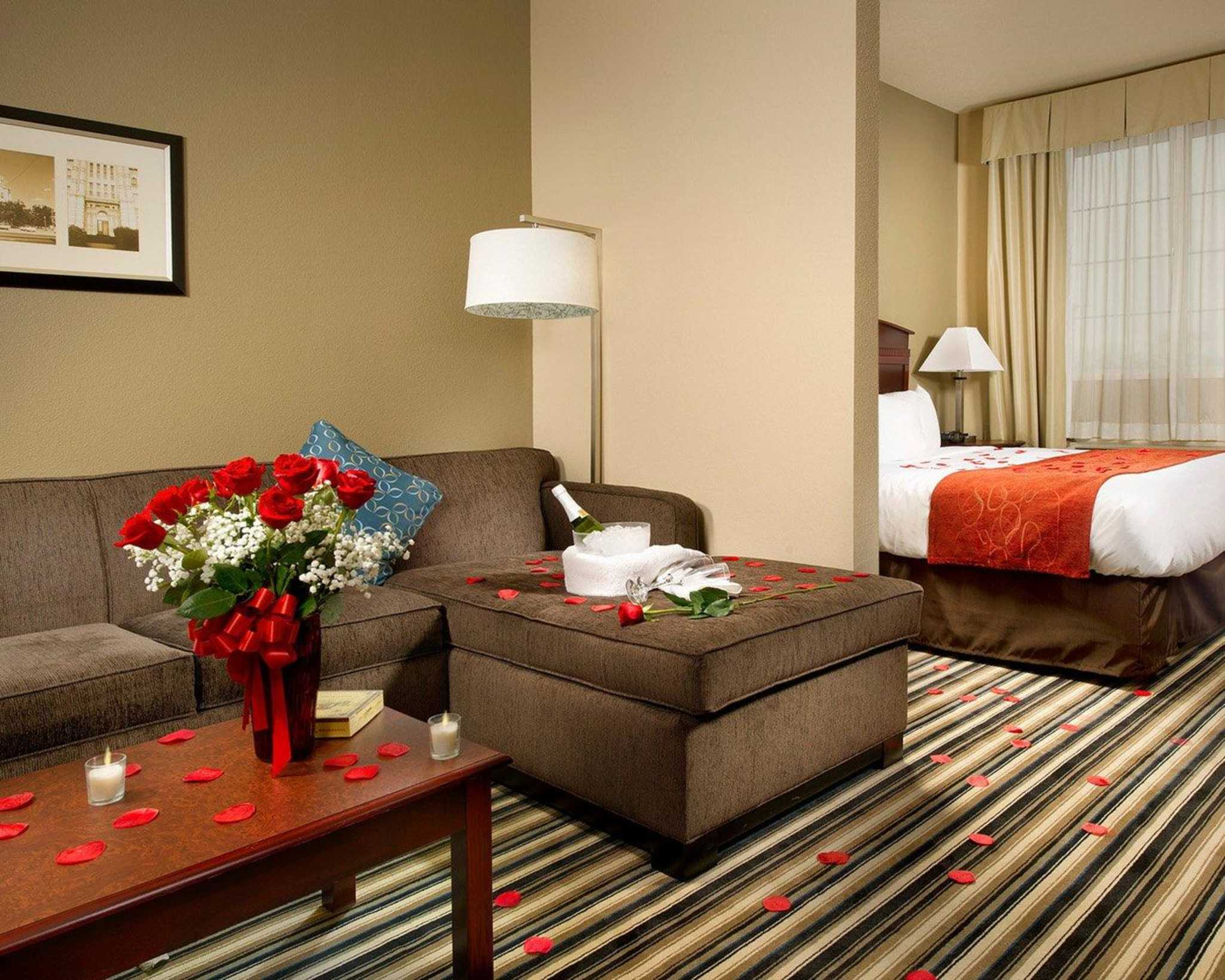 Comfort Suites Waco North image 10