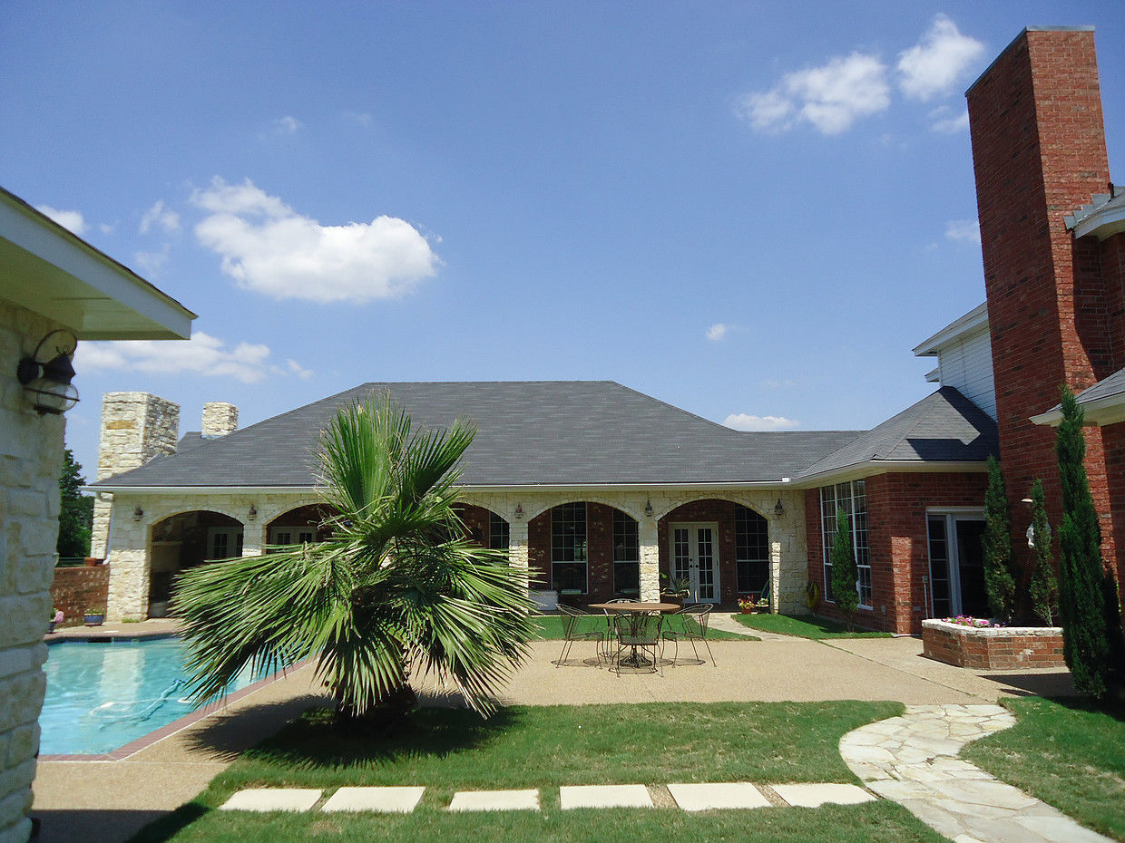 Moore Dynamic Roofing LLC image 0