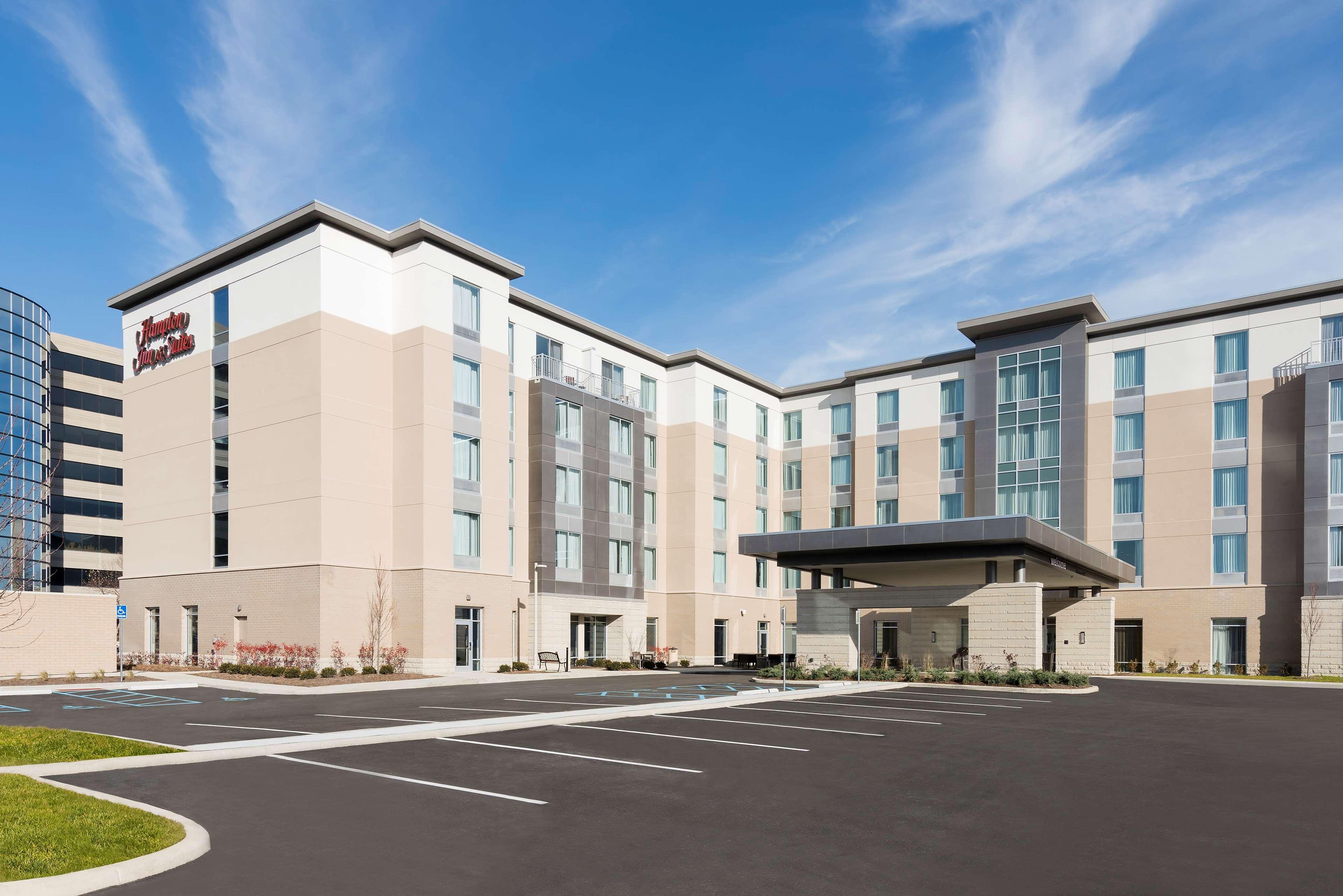 Hampton Inn & Suites Indianapolis-Keystone image 2