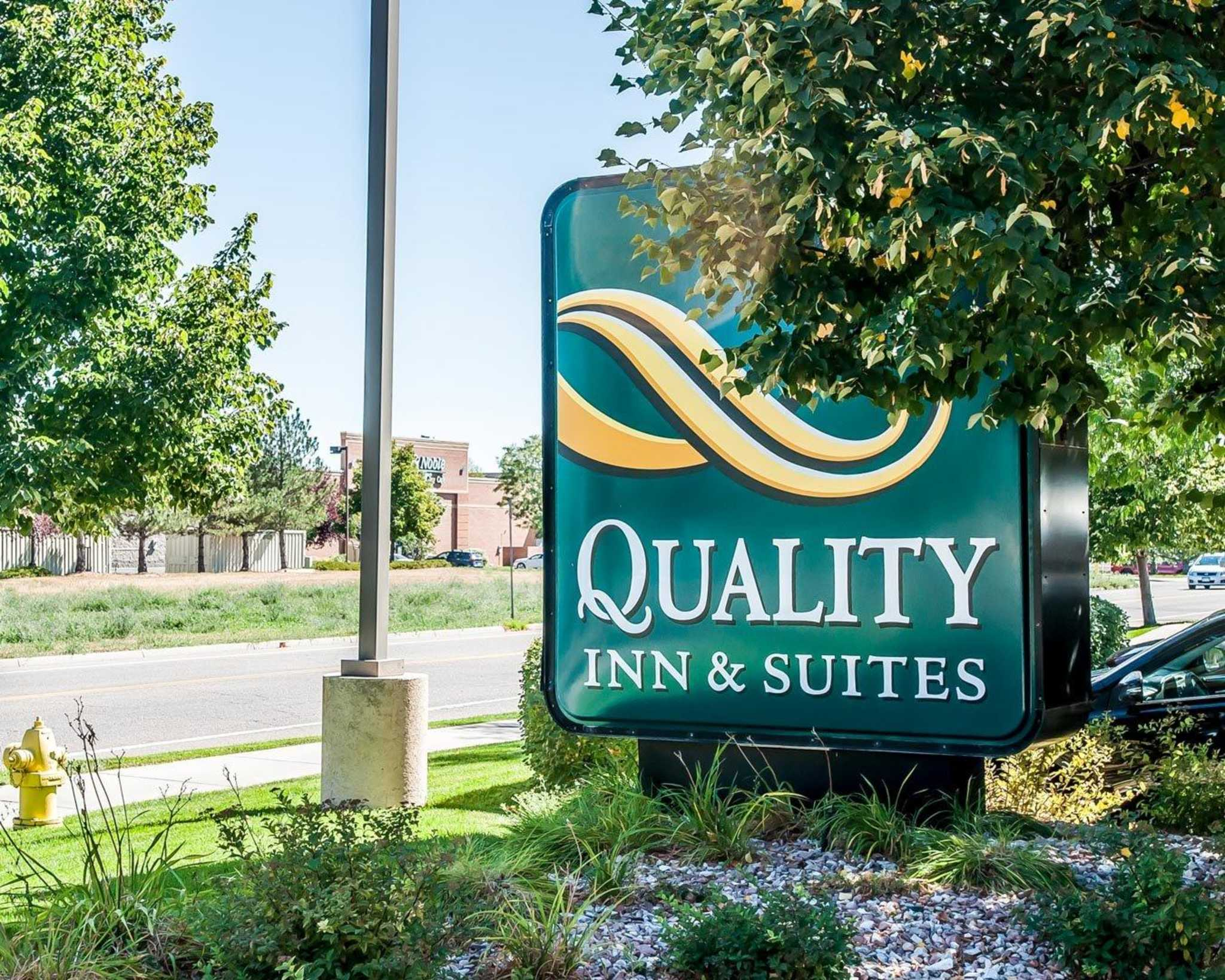 Quality Inn & Suites University image 2