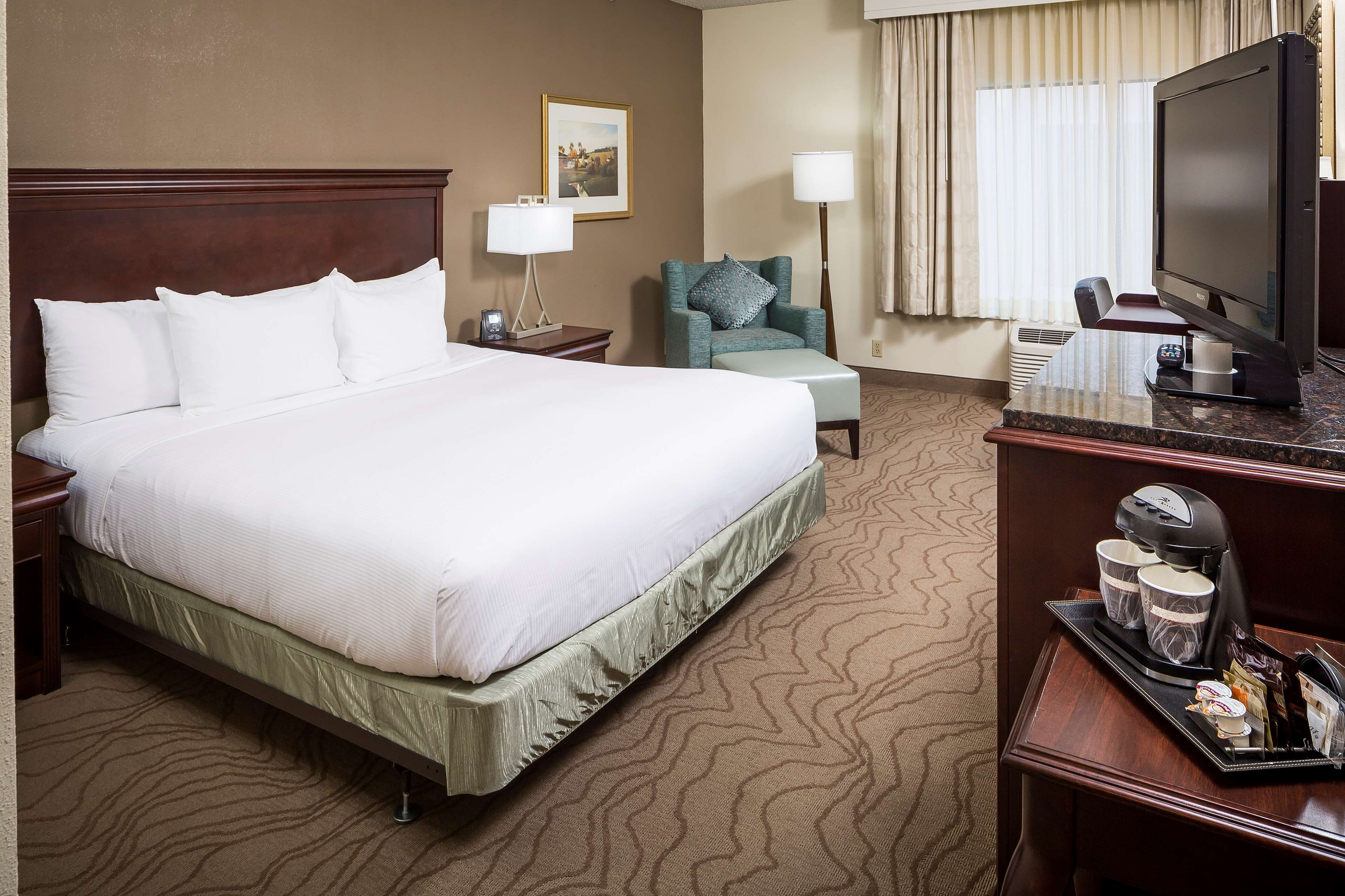 DoubleTree by Hilton Hotel Boston - Milford image 14