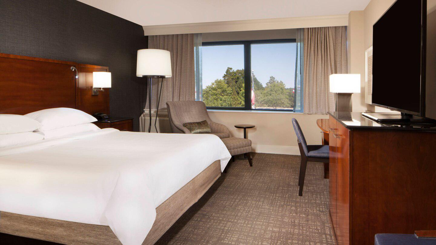 Marriott at Research Triangle Park image 7