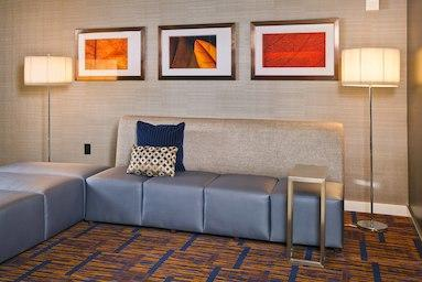 Courtyard by Marriott Tinton Falls Eatontown image 2