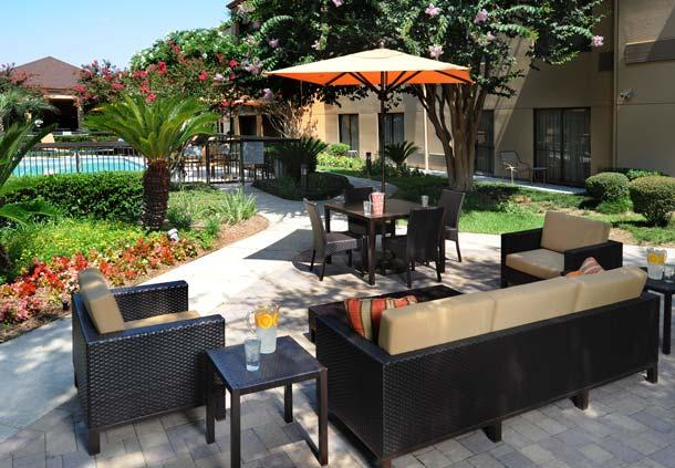 Courtyard by Marriott Houston Hobby Airport image 2