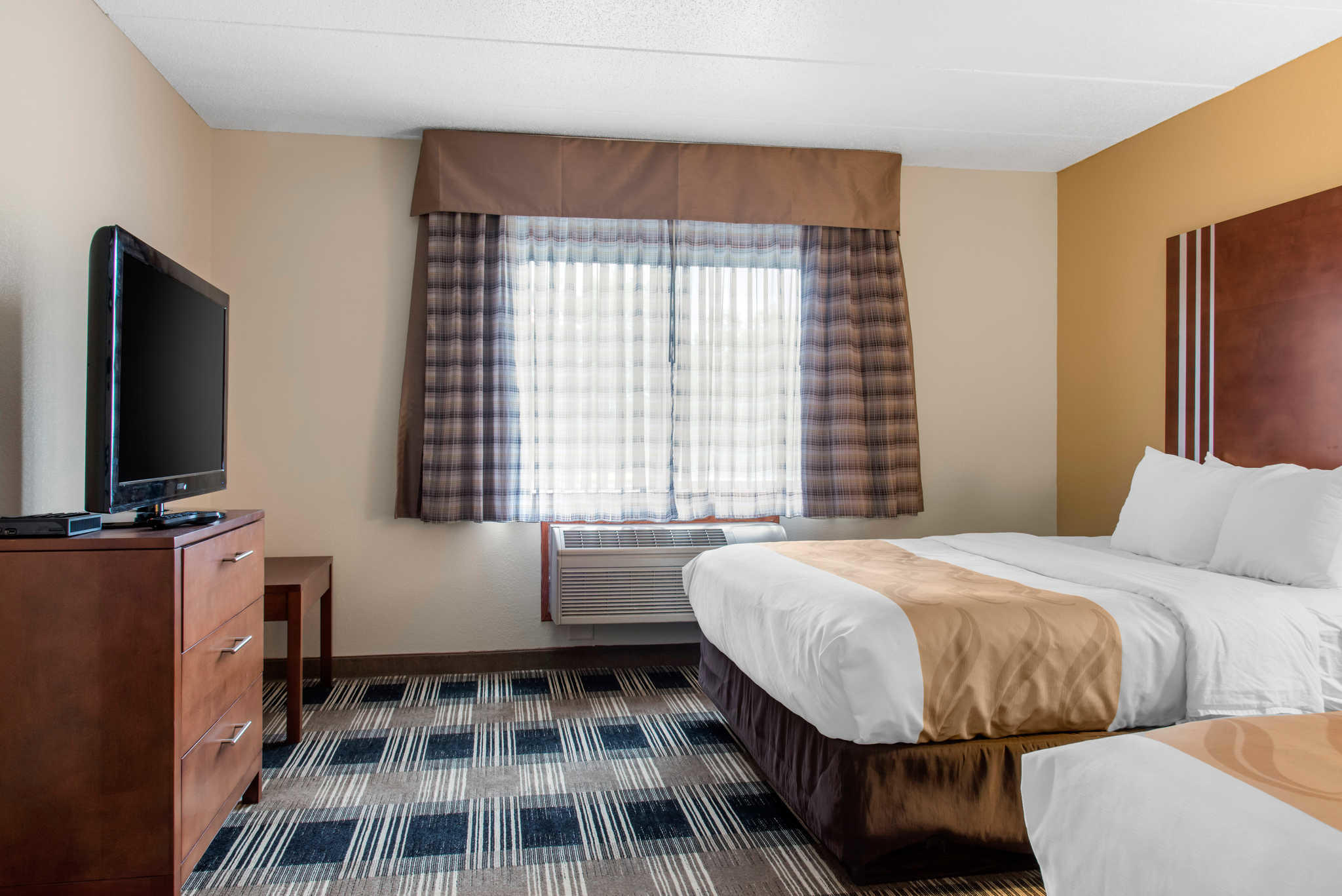 Quality Inn image 47
