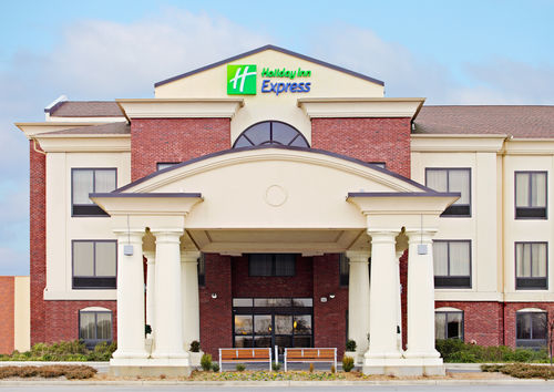 Holiday Inn Express & Suites Pine Bluff/Pines Mall image 1