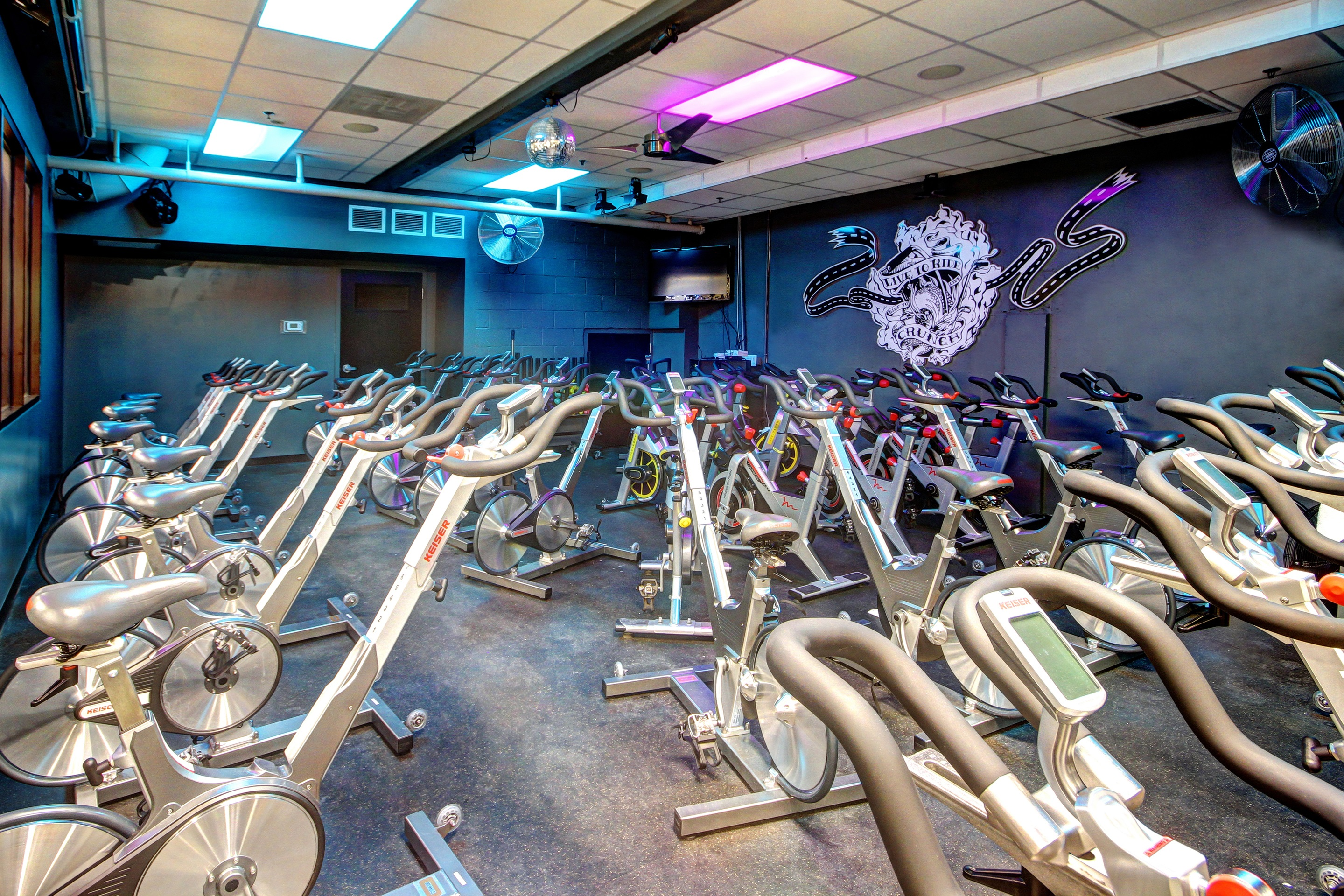 Crunch Fitness - Chevy Chase image 6