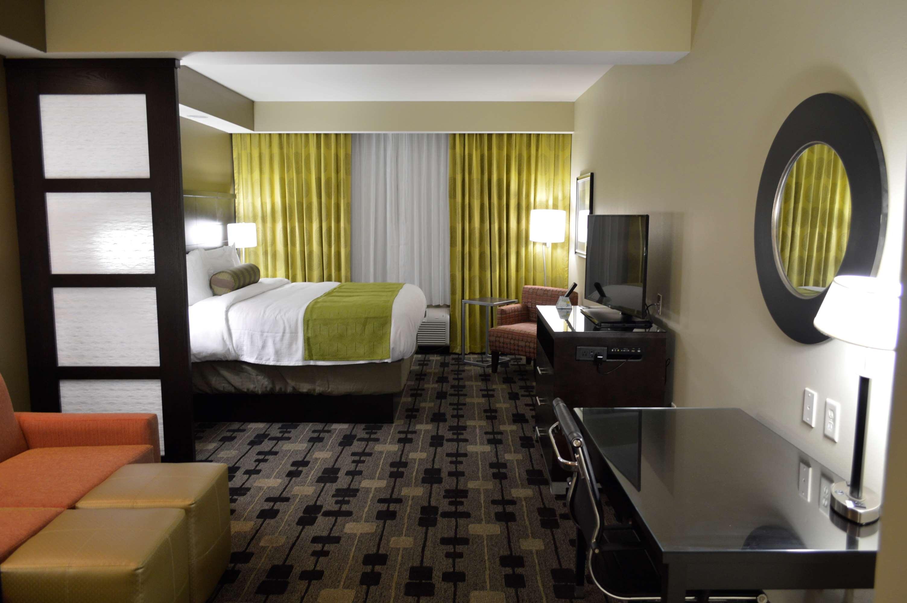 Best Western Premier University Inn 132 Plaza Drive Hattiesburg, MS Hotels  U0026 Motels   MapQuest