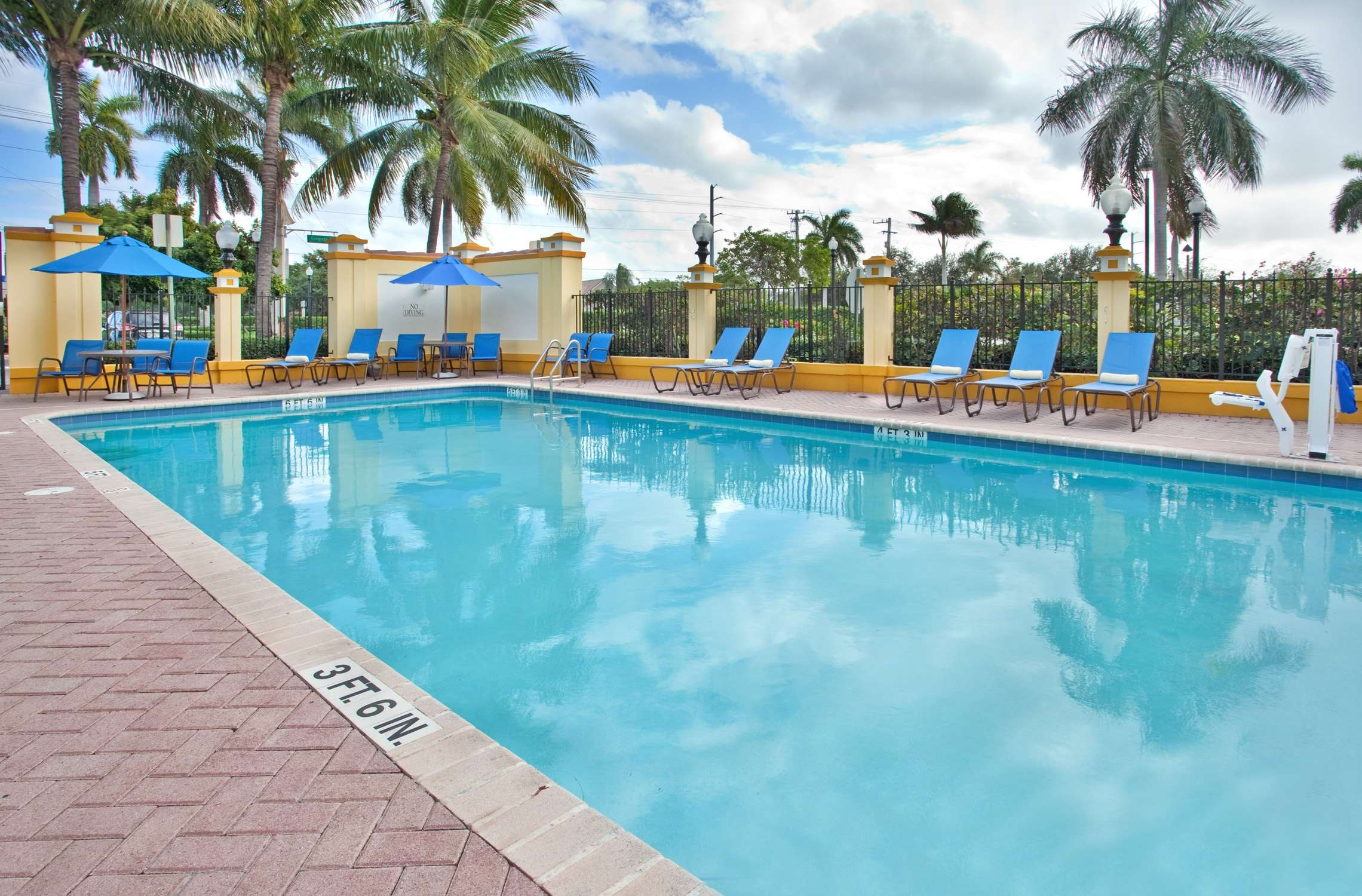 Hilton Garden Inn Boca Raton image 10
