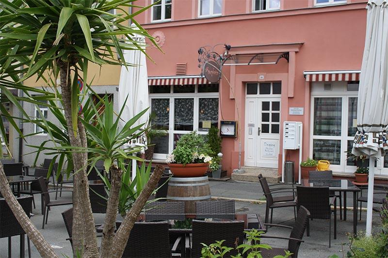 maxplatz restaurant ffnungszeiten maxplatz restaurant. Black Bedroom Furniture Sets. Home Design Ideas