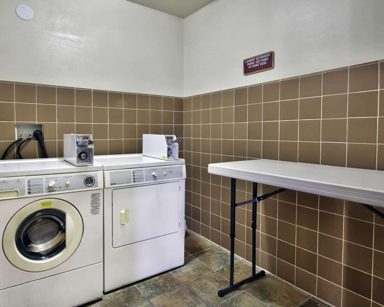 Best Western Plus Salinas Valley Inn & Suites image 11