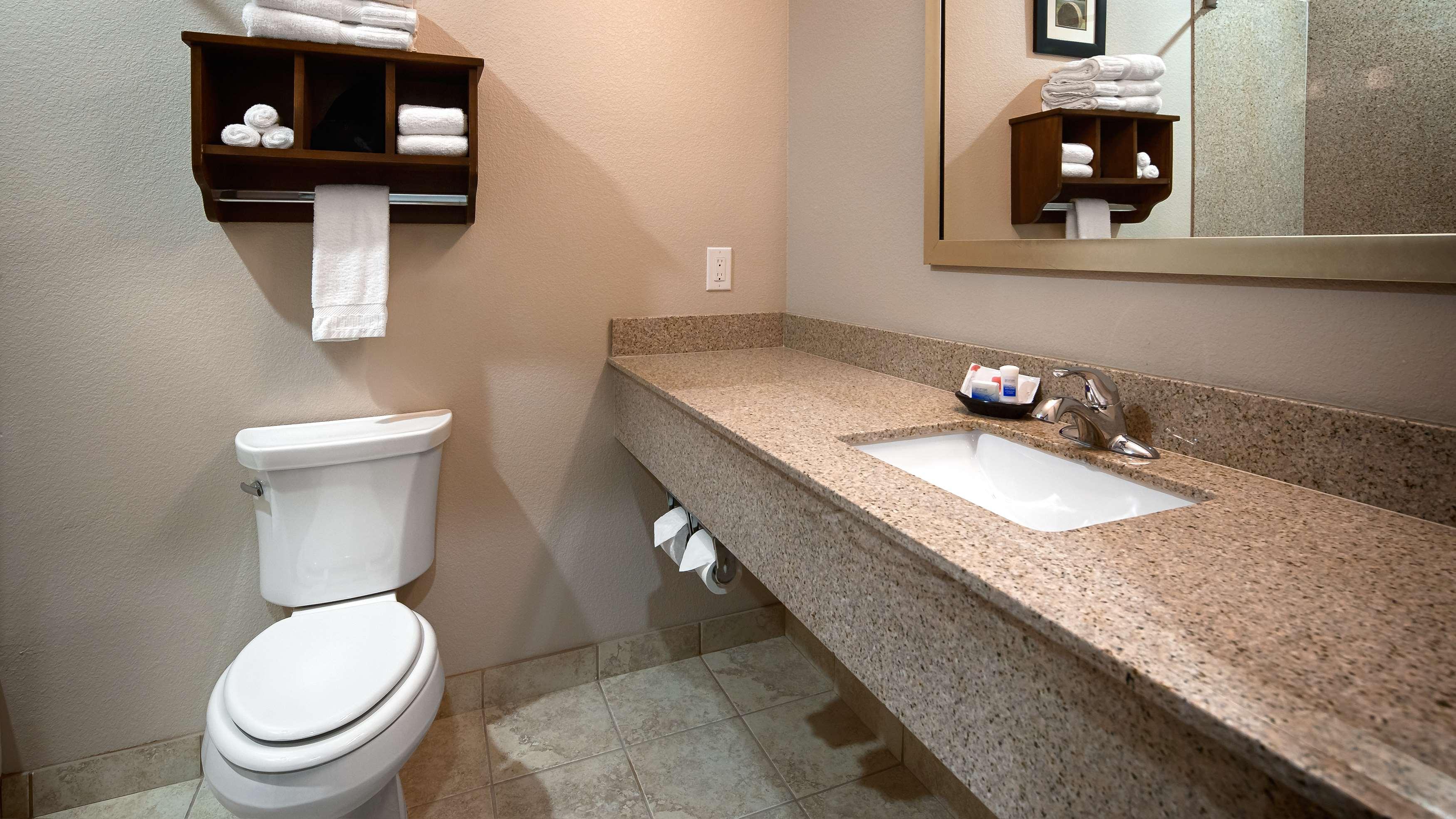 Best Western Plus Denver City Hotel & Suites image 12