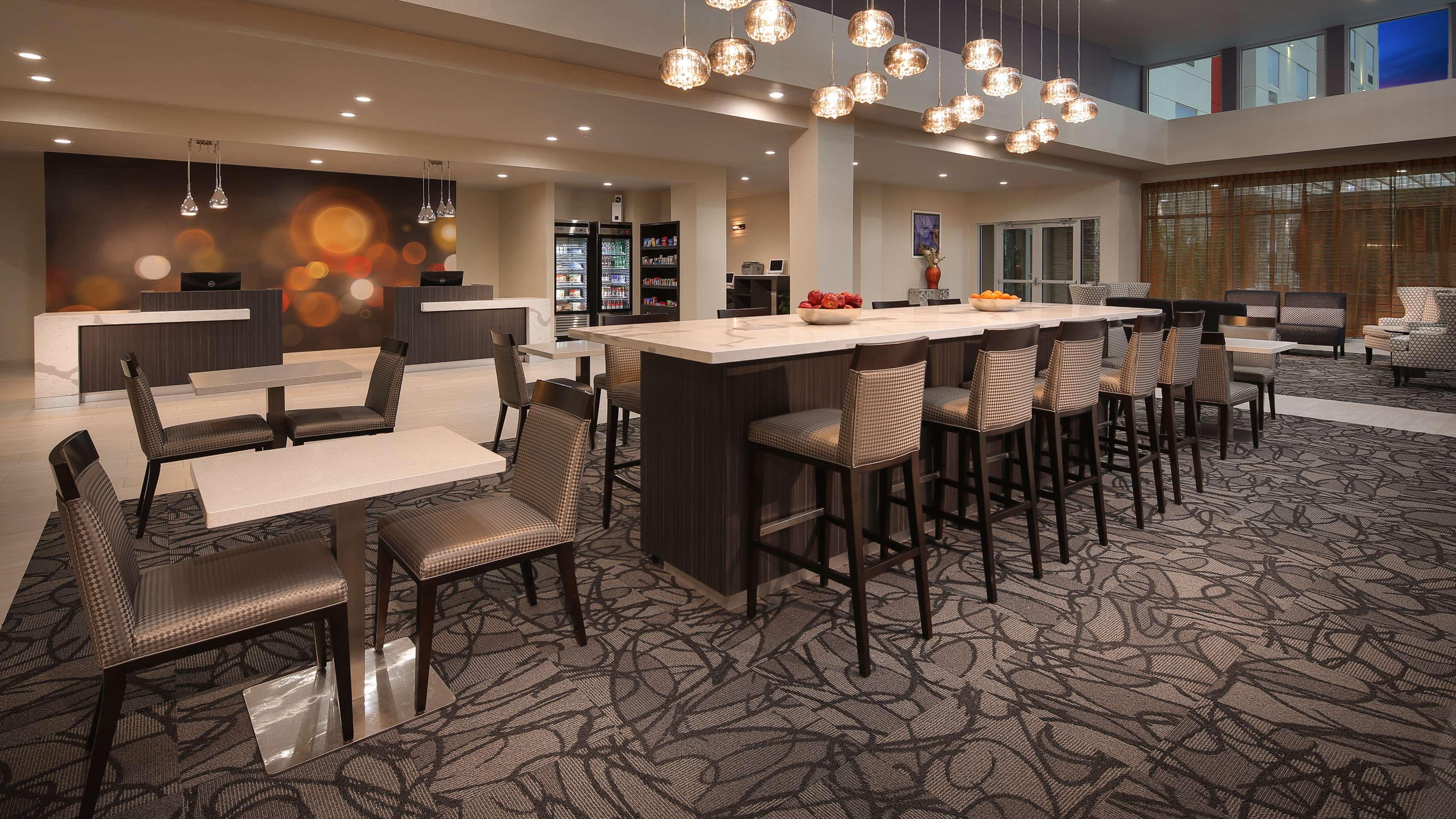 Best Western Plus Executive Residency Baytown image 18