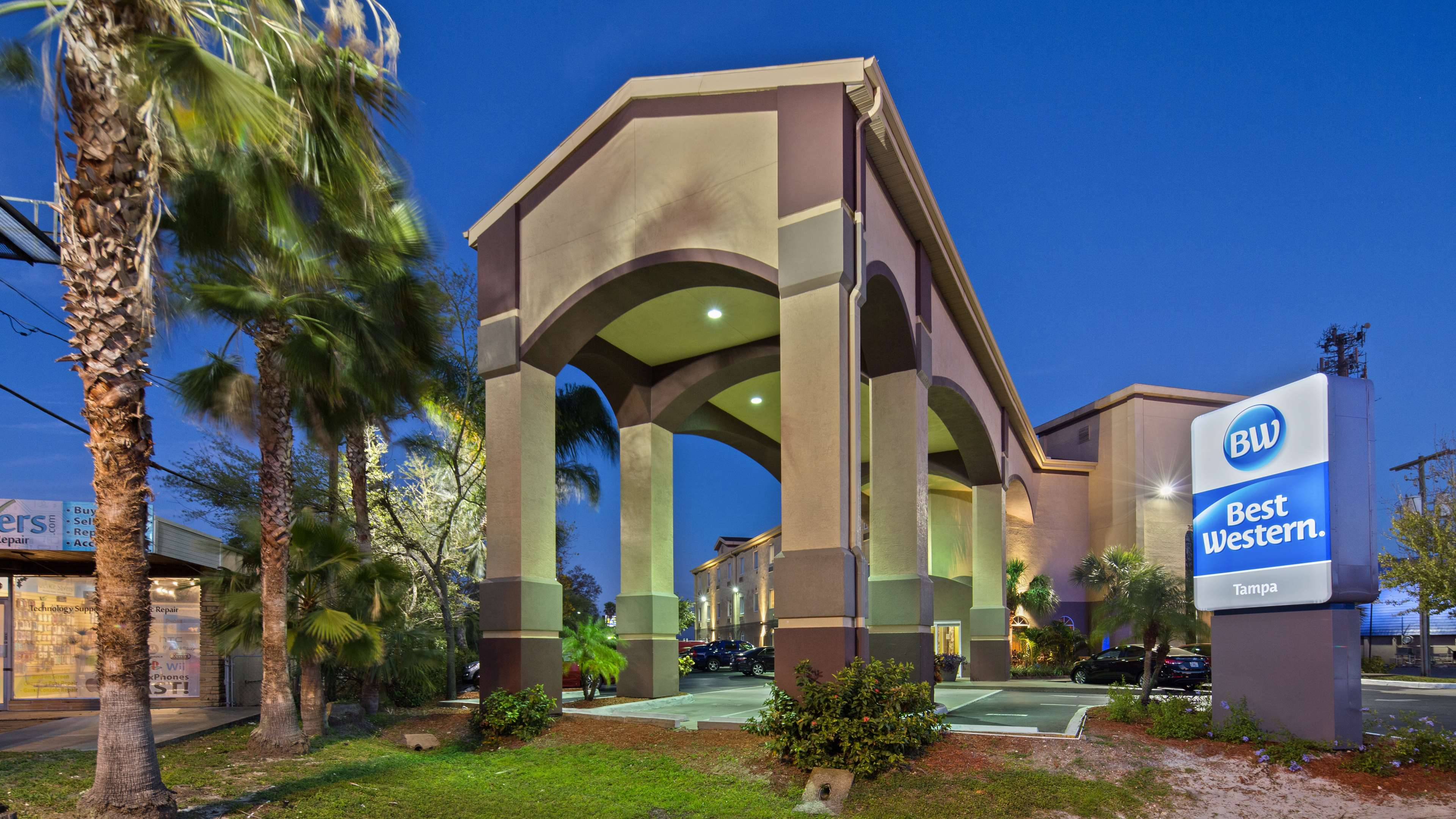 Best Western Tampa image 8