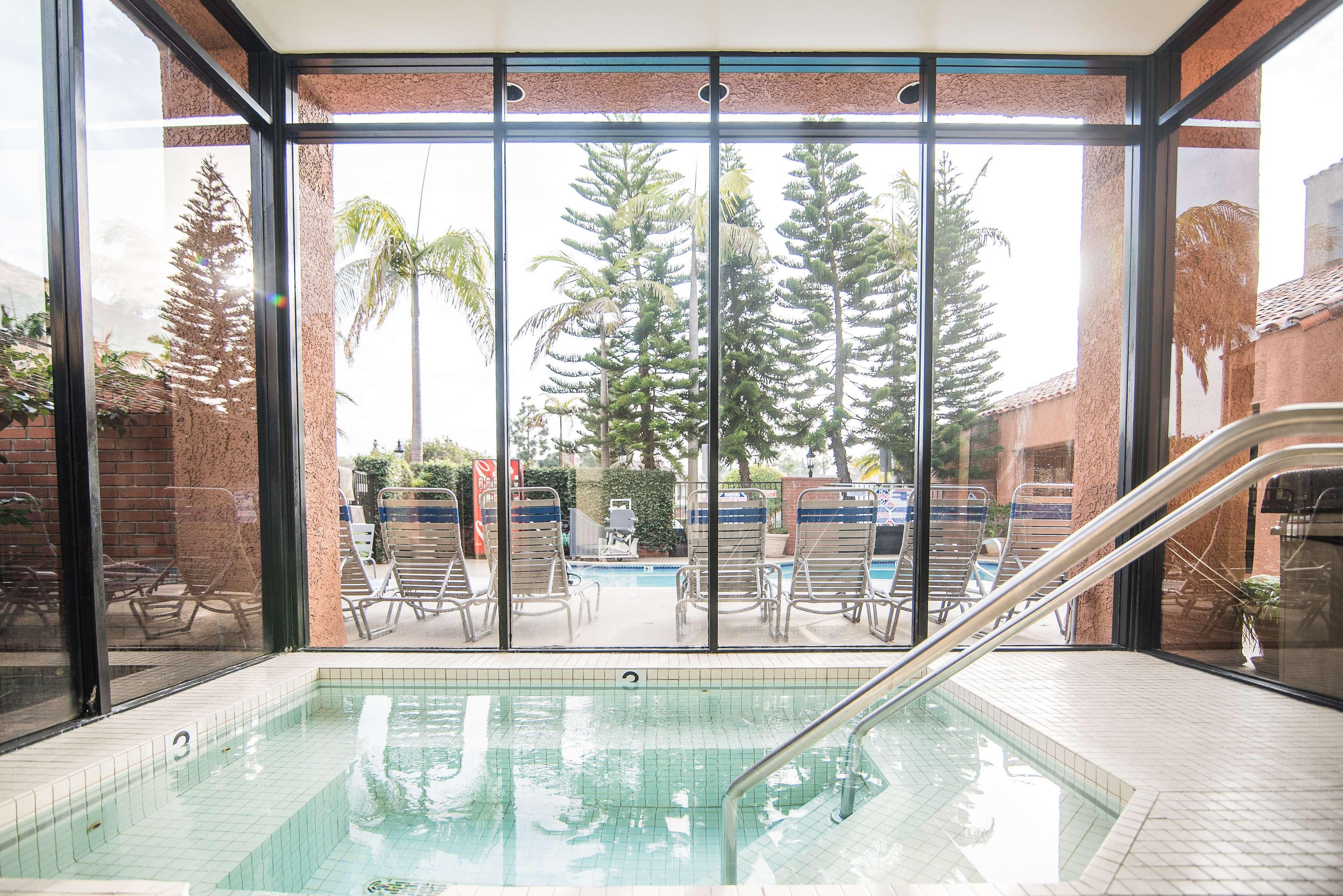 Best Western Plus Redondo Beach Inn image 42