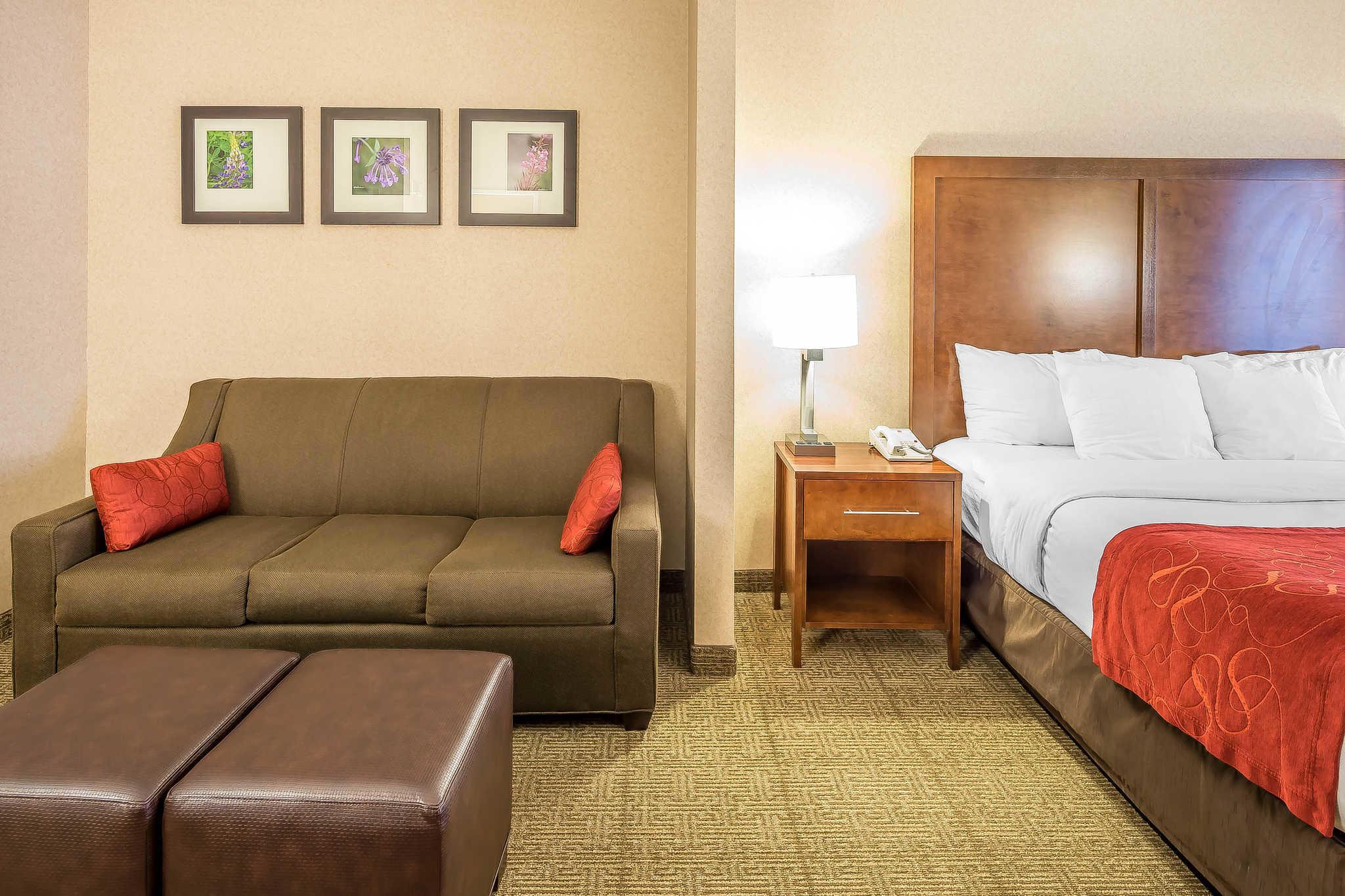 Comfort Suites Anchorage International Airport image 12