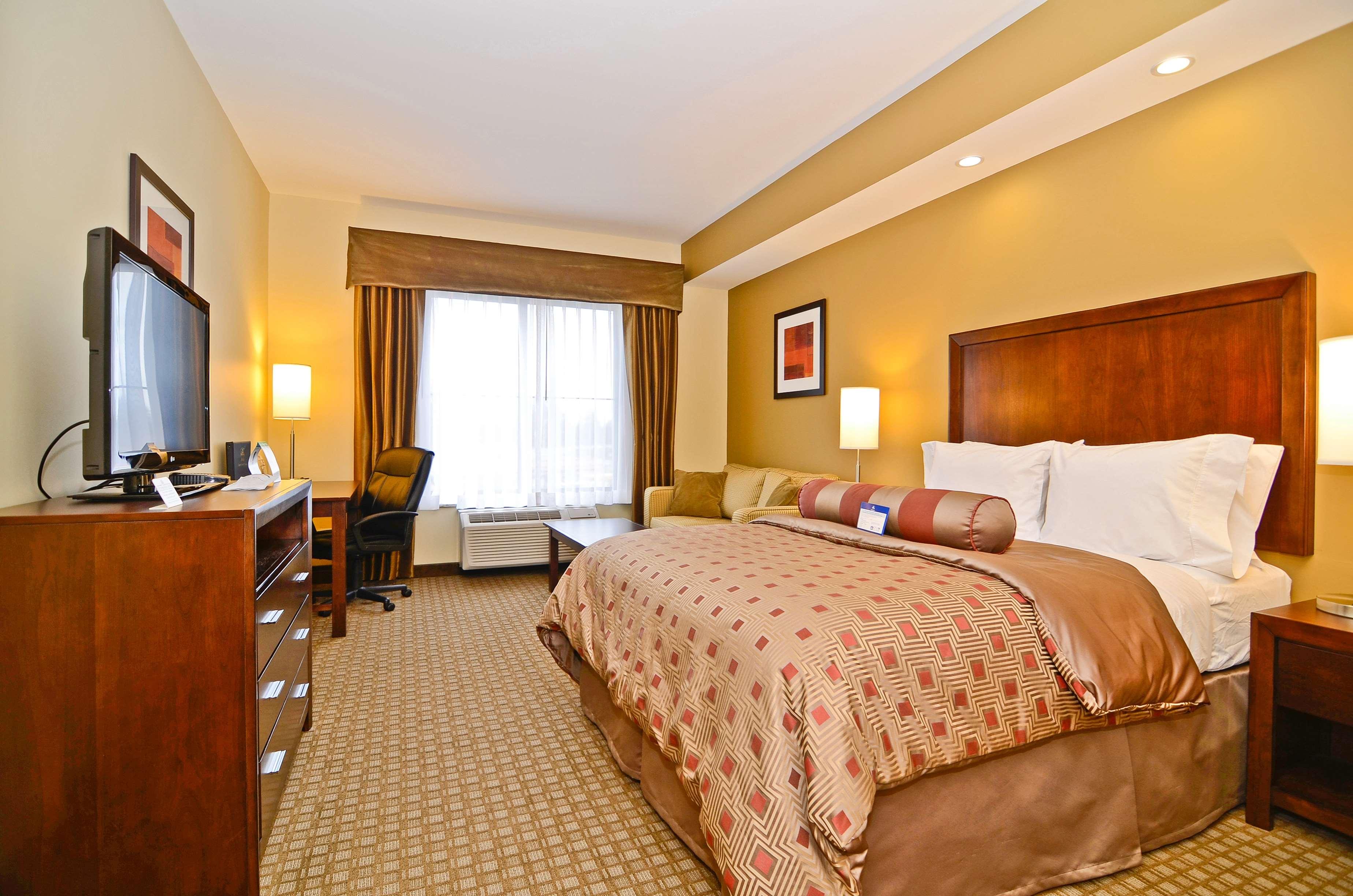 Best Western Plus Lacey Inn & Suites image 22