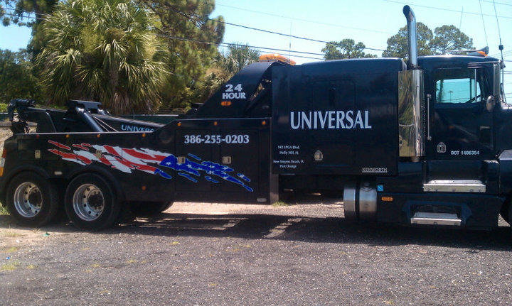 Call Universal Towing at 386-255-0203 for service.