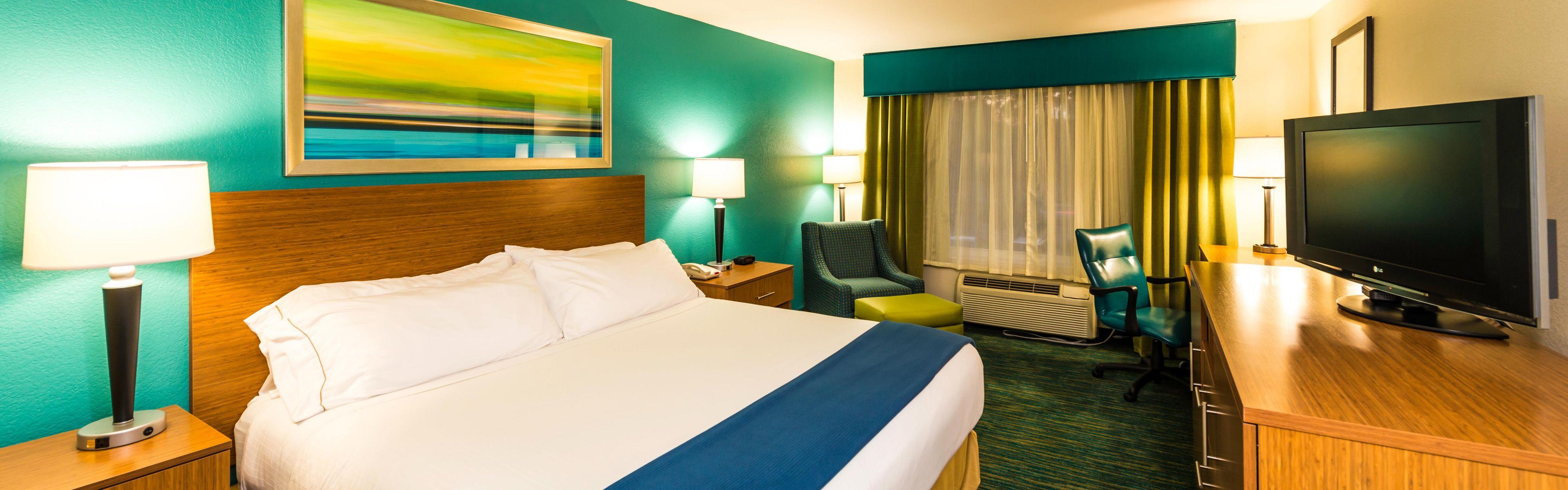 Holiday Inn Express & Suites Jacksonville - Blount Island image 1