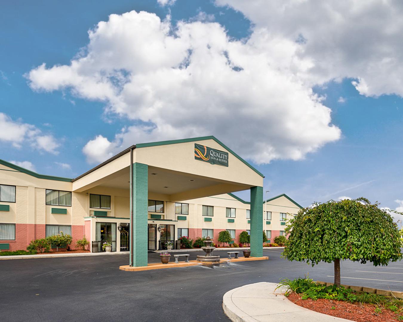 Quality Inn & Suites in Gettysburg, PA - (717) 337-2...
