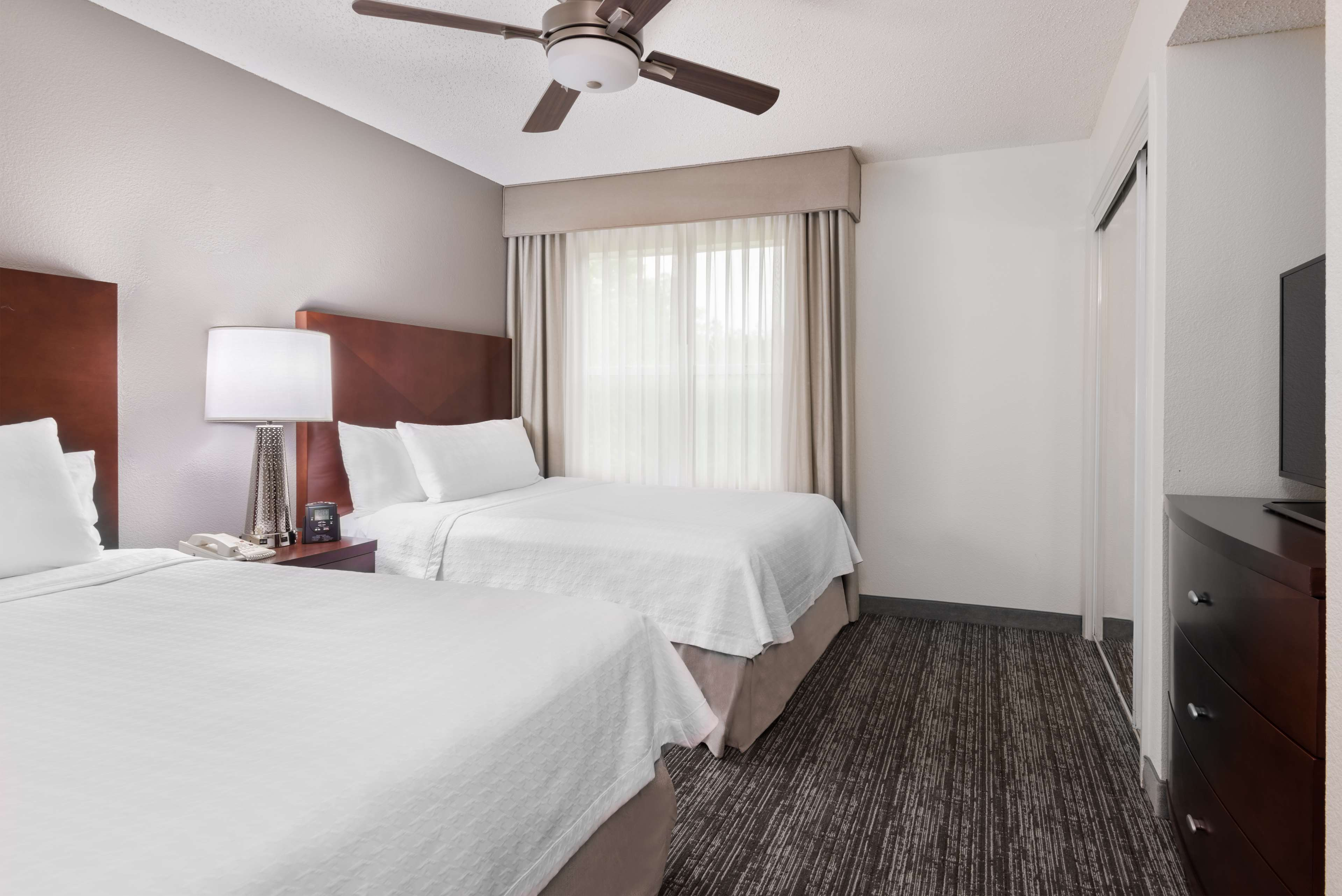 Homewood Suites by Hilton Charlotte-North/Univ Research Park image 14