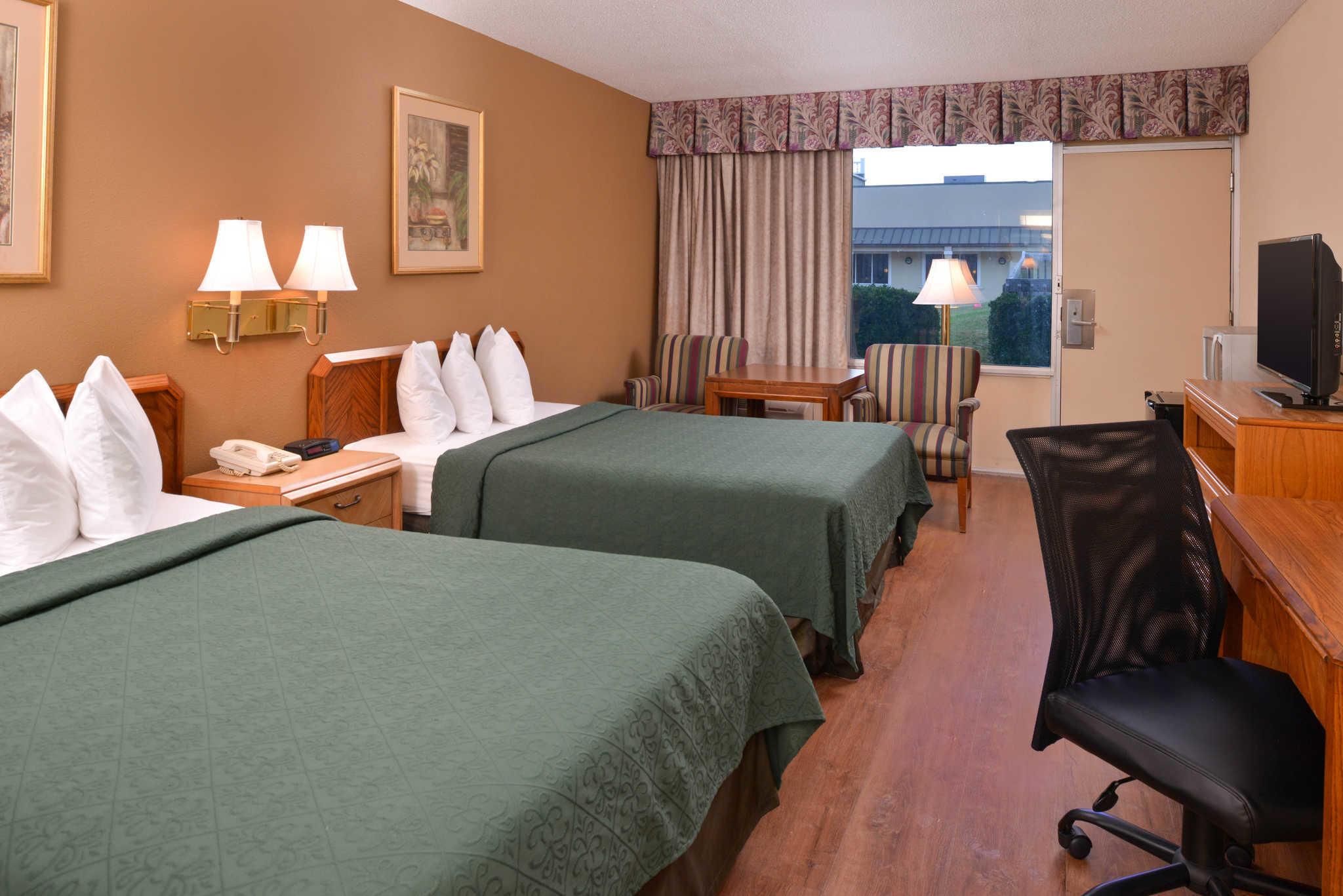 Quality Inn Dutch Inn image 10