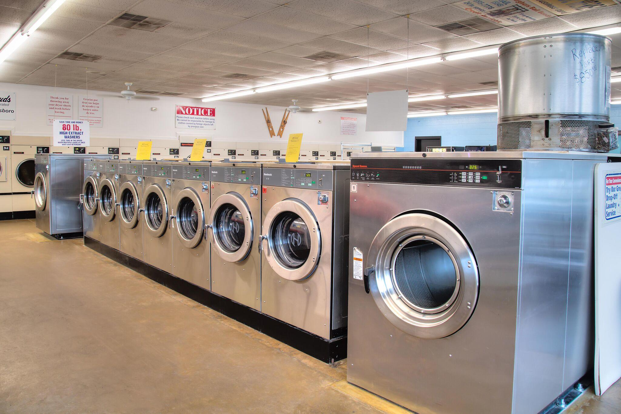 Duds N Suds Laundry image 14