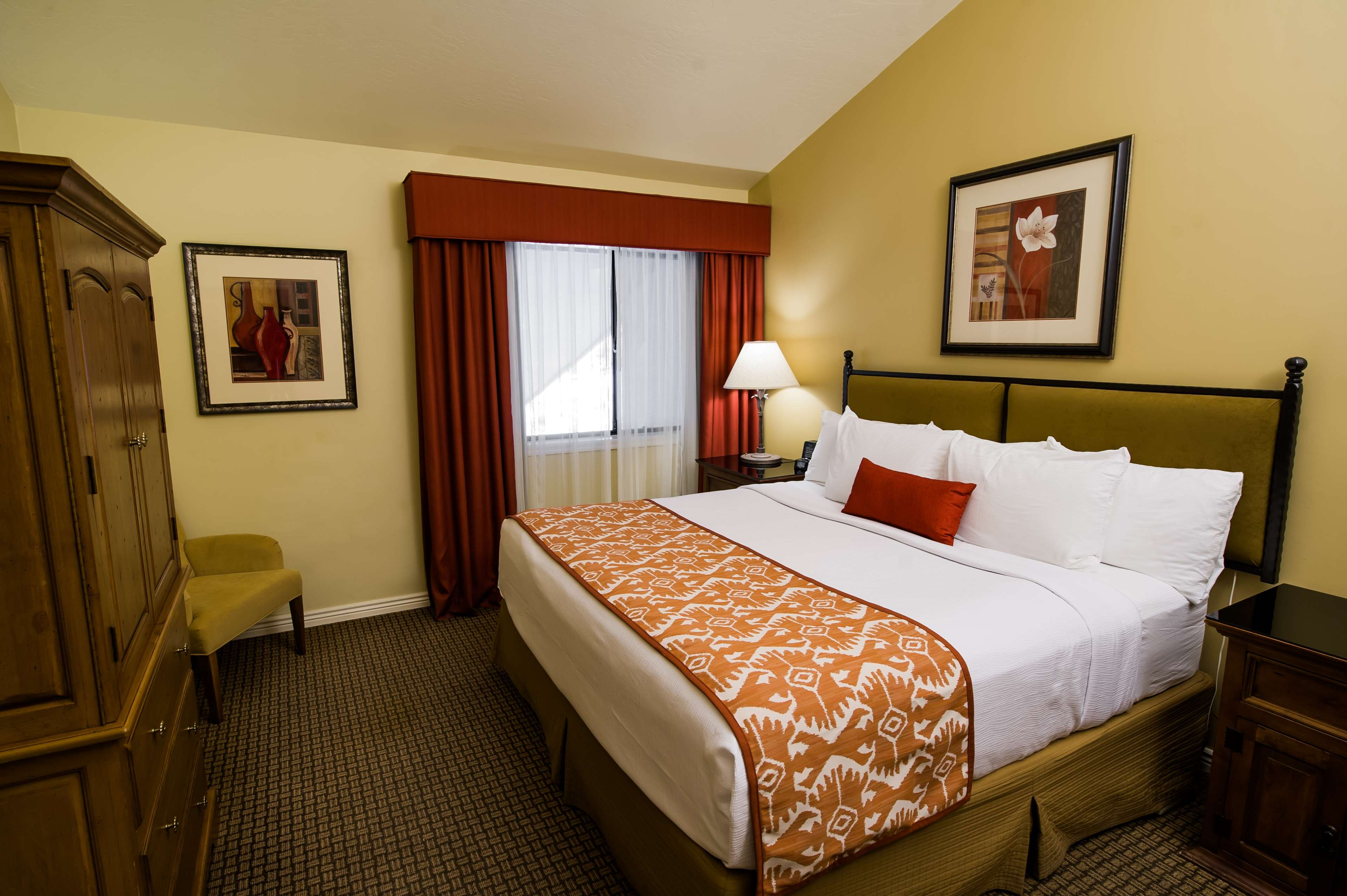 Best Western Plus Arroyo Roble Hotel & Creekside Villas image 40