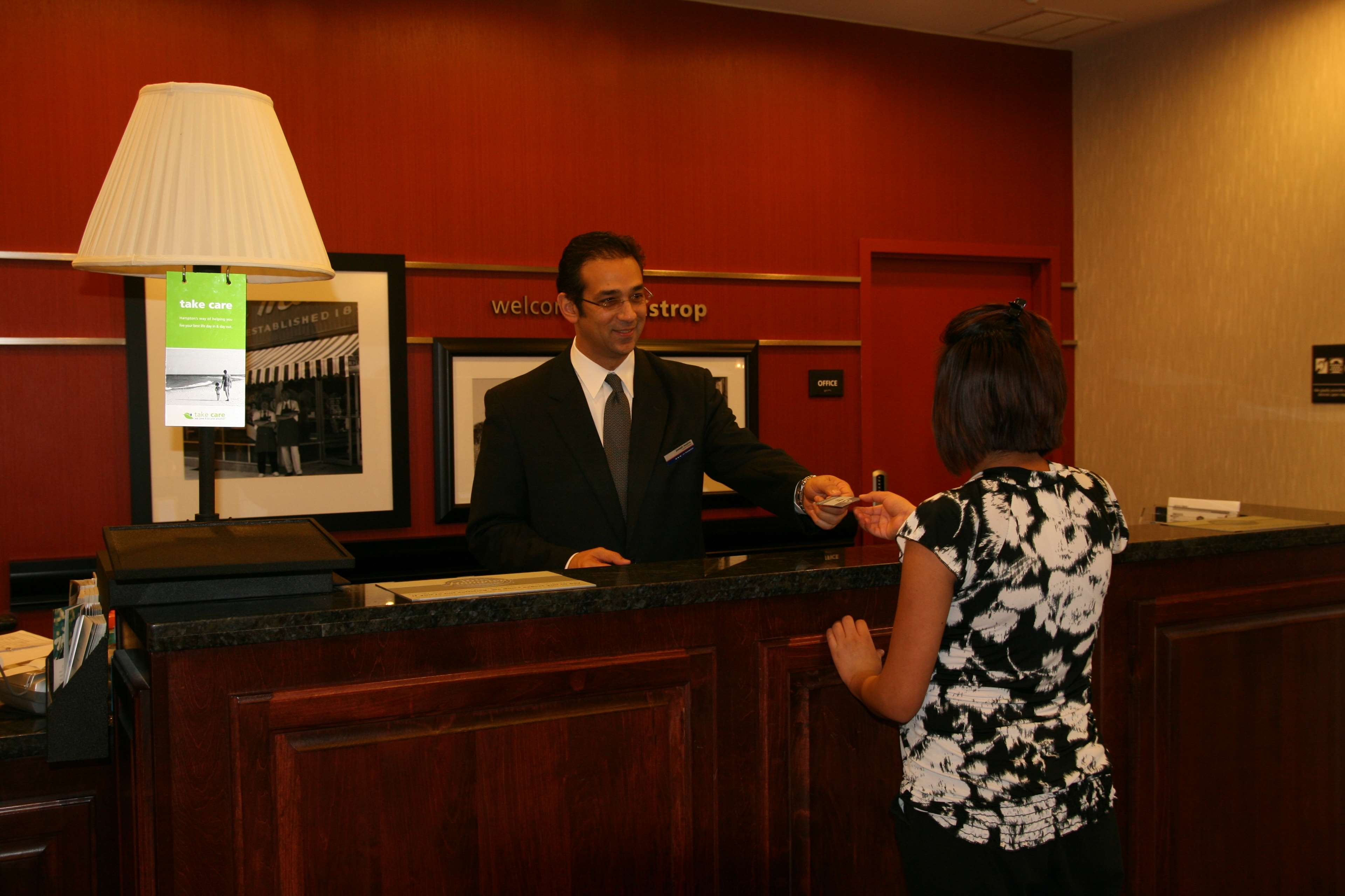 Hampton Inn & Suites Bastrop image 3