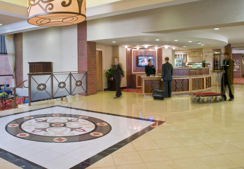 Delta Hotels by Marriott Racine image 4