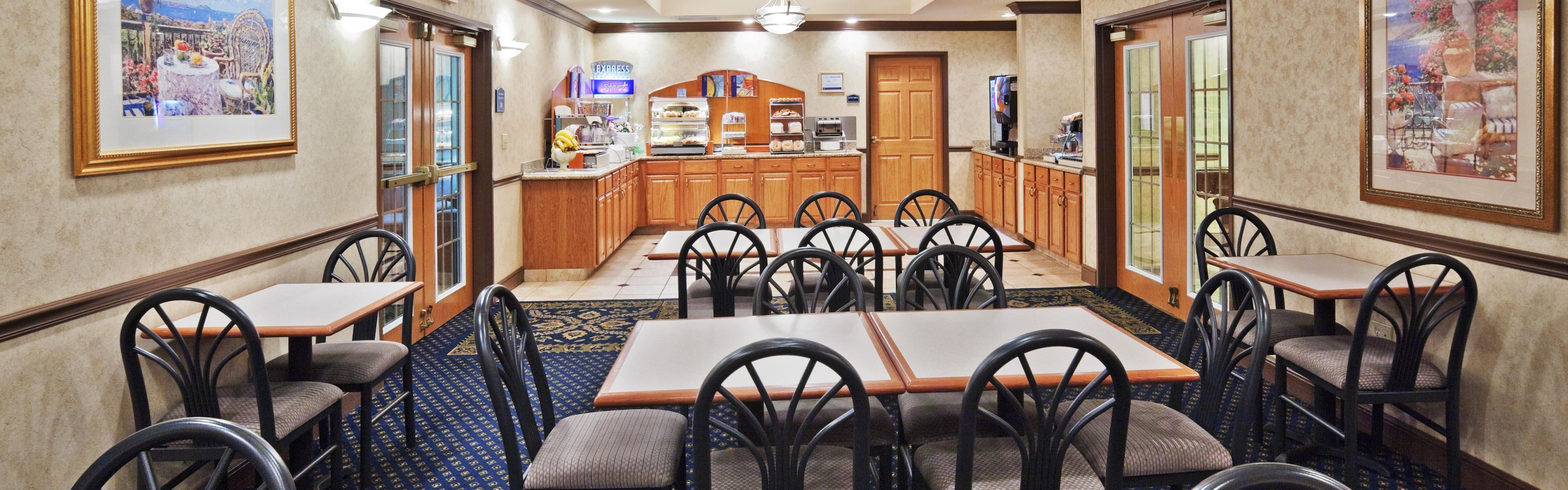 Holiday Inn Express & Suites Jenks image 2