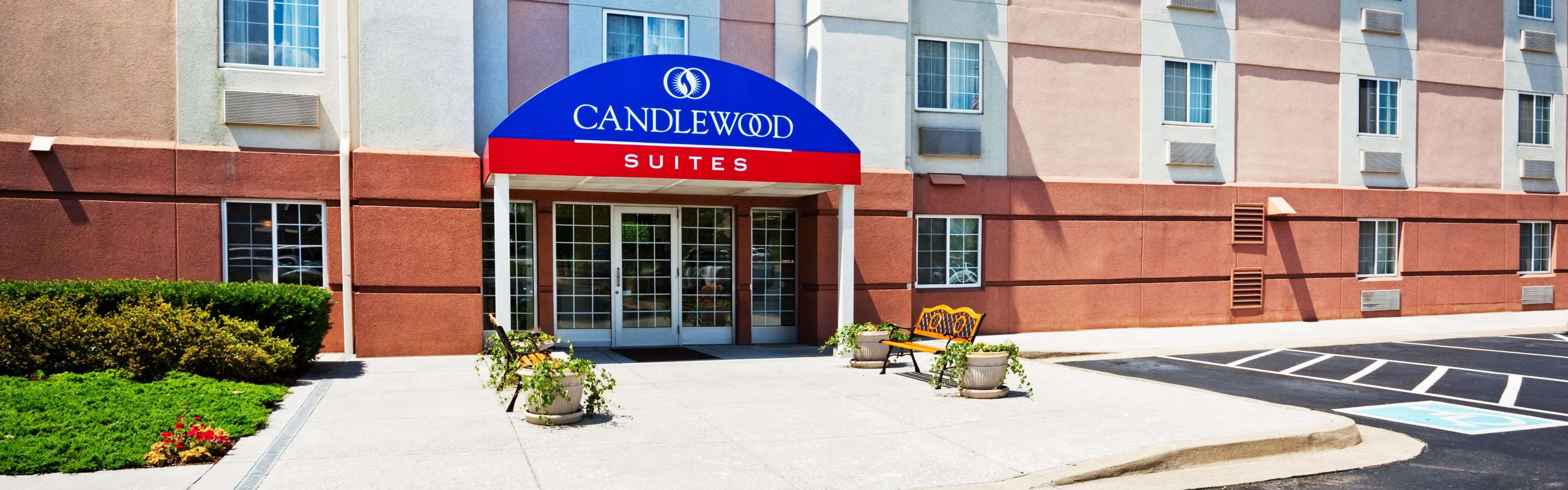 Candlewood Suites Knoxville image 0
