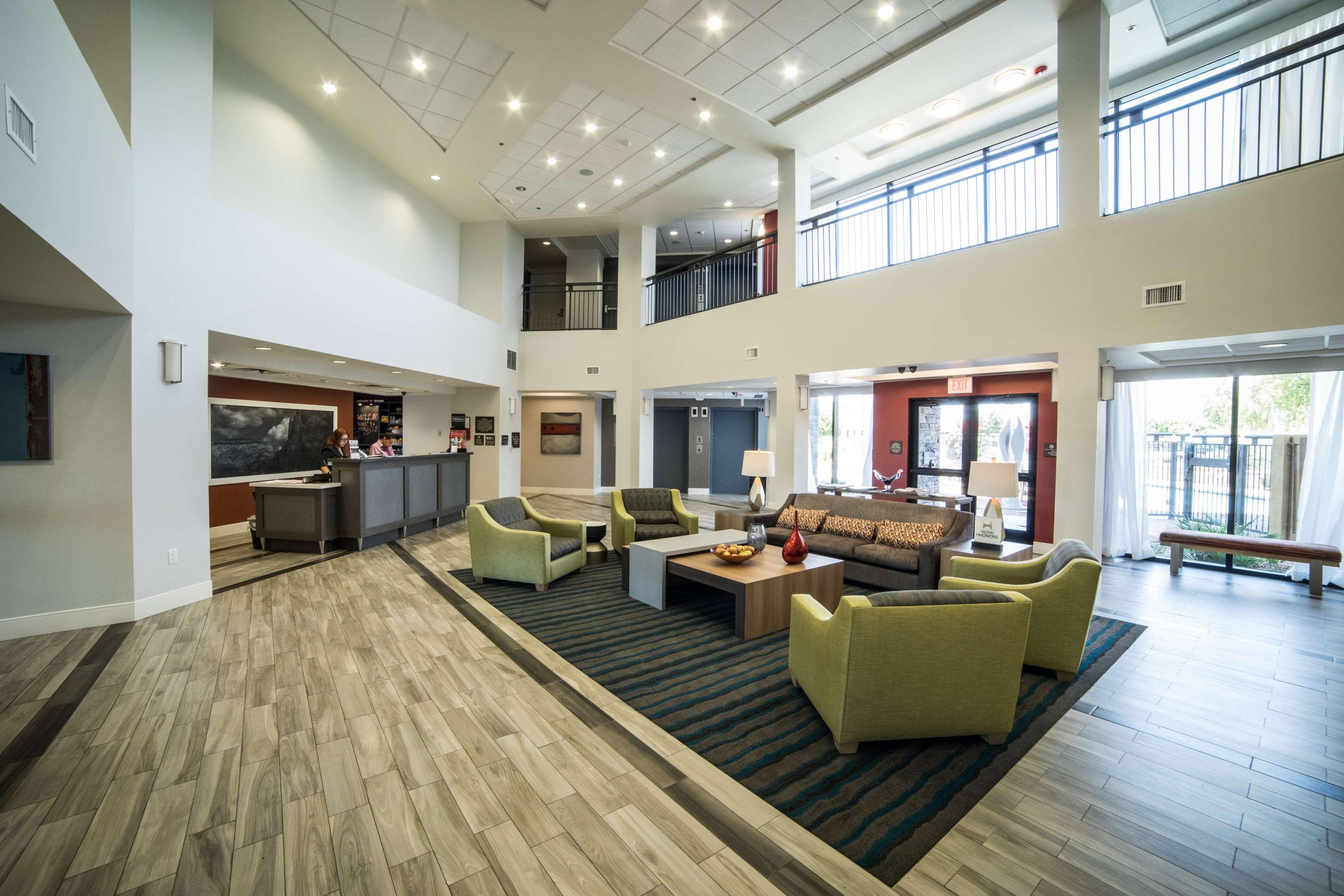 Hampton Inn & Suites Tempe - Phoenix Airport image 6