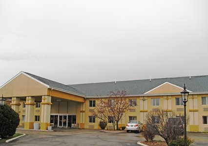 Econo Lodge Inn & Suites in Bloomington, IL | Whitepages
